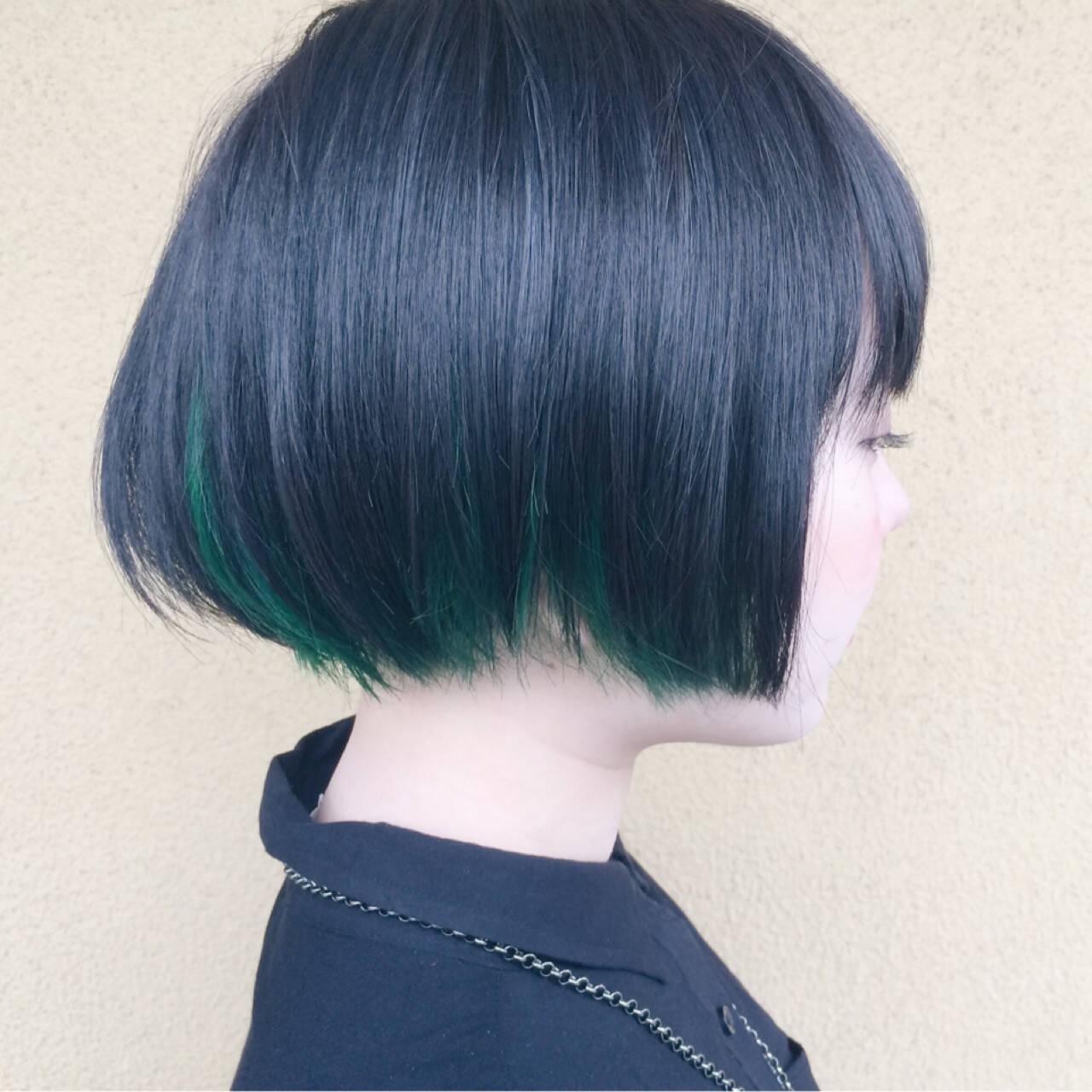 インナーカラー モード ショート ブリーチヘアスタイルや髪型の写真・画像