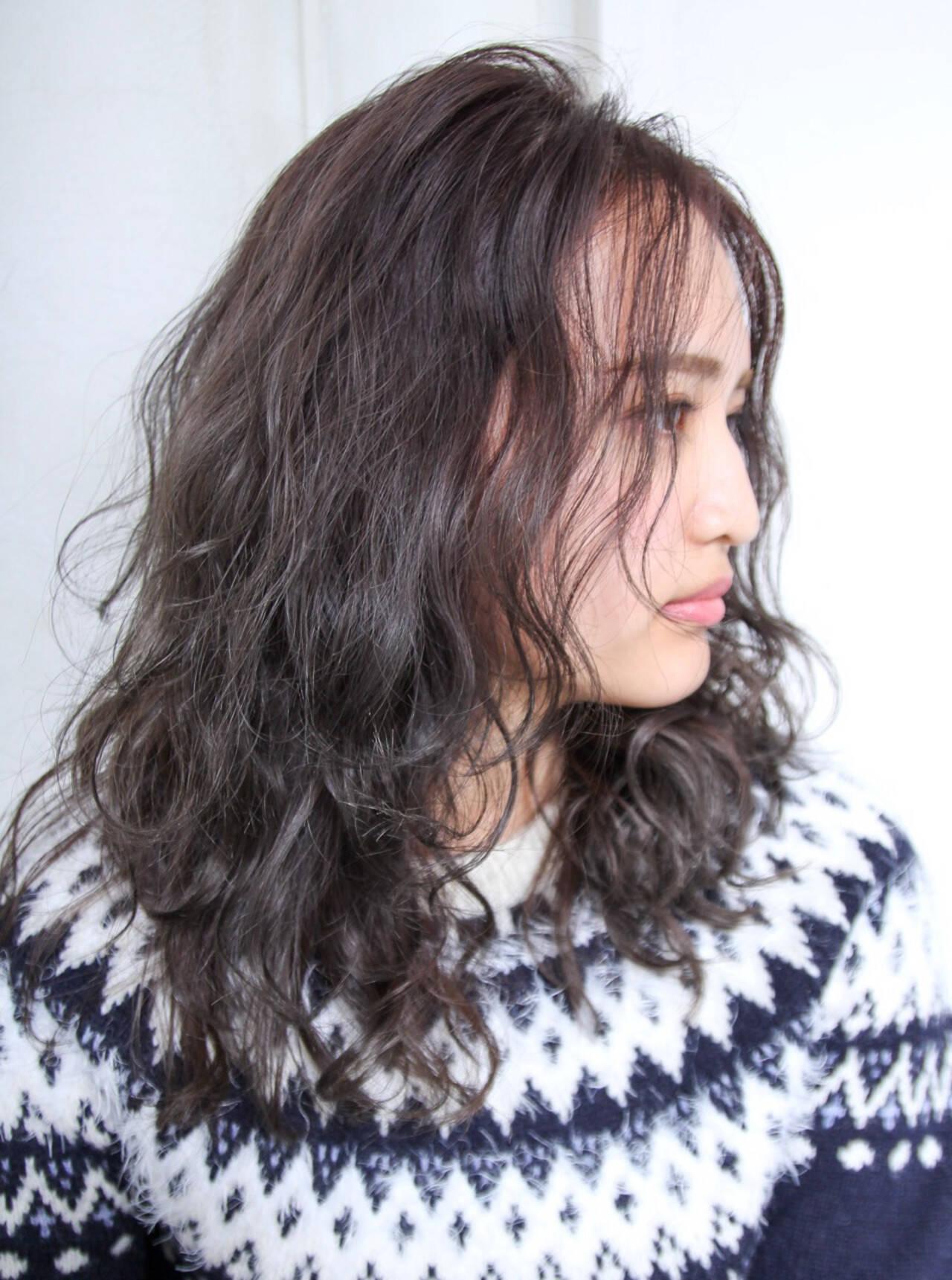 パーマ ニュアンス 外国人風 ナチュラルヘアスタイルや髪型の写真・画像