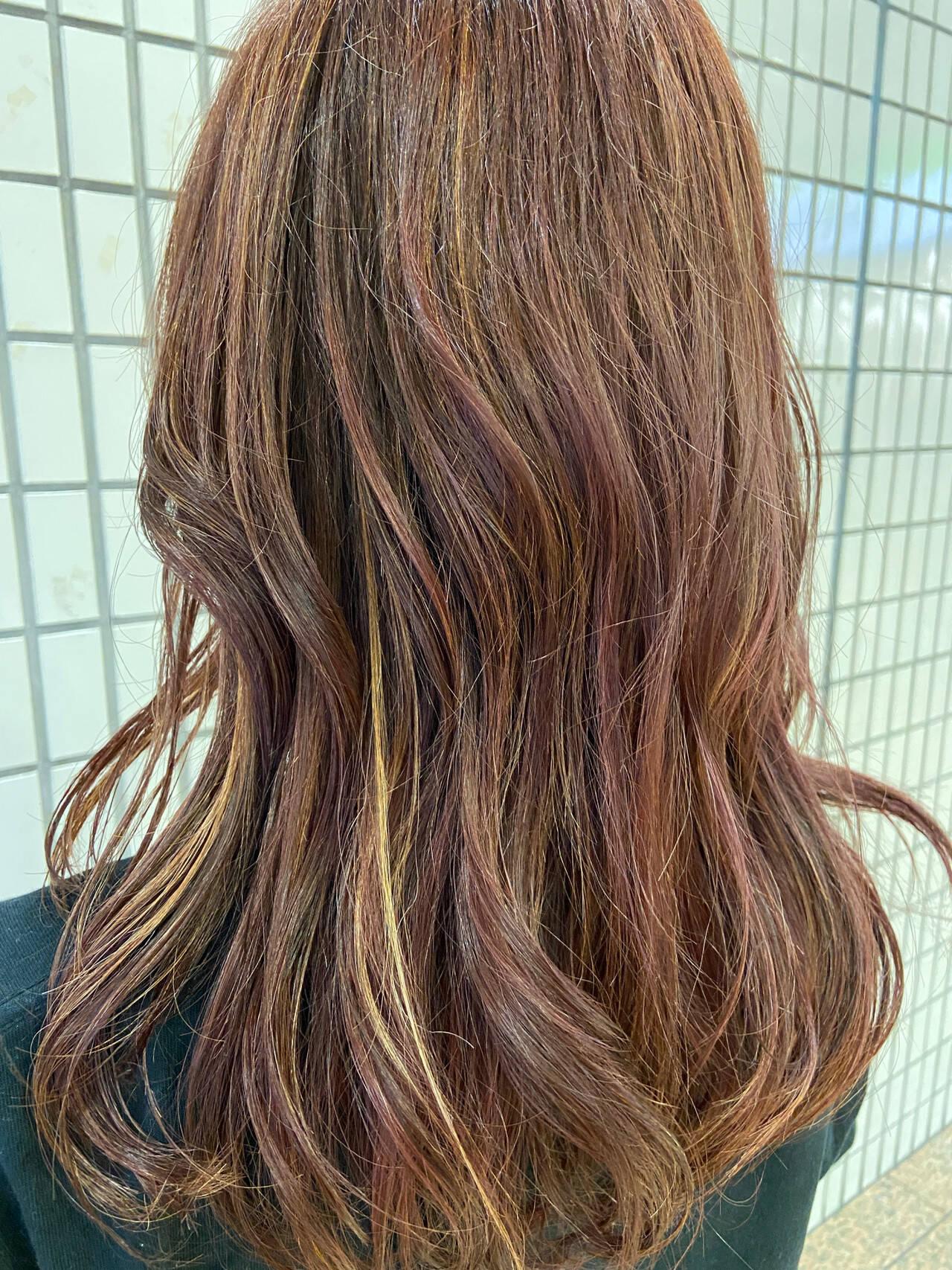 インナーカラー ハイライト 大人ハイライト ナチュラルヘアスタイルや髪型の写真・画像