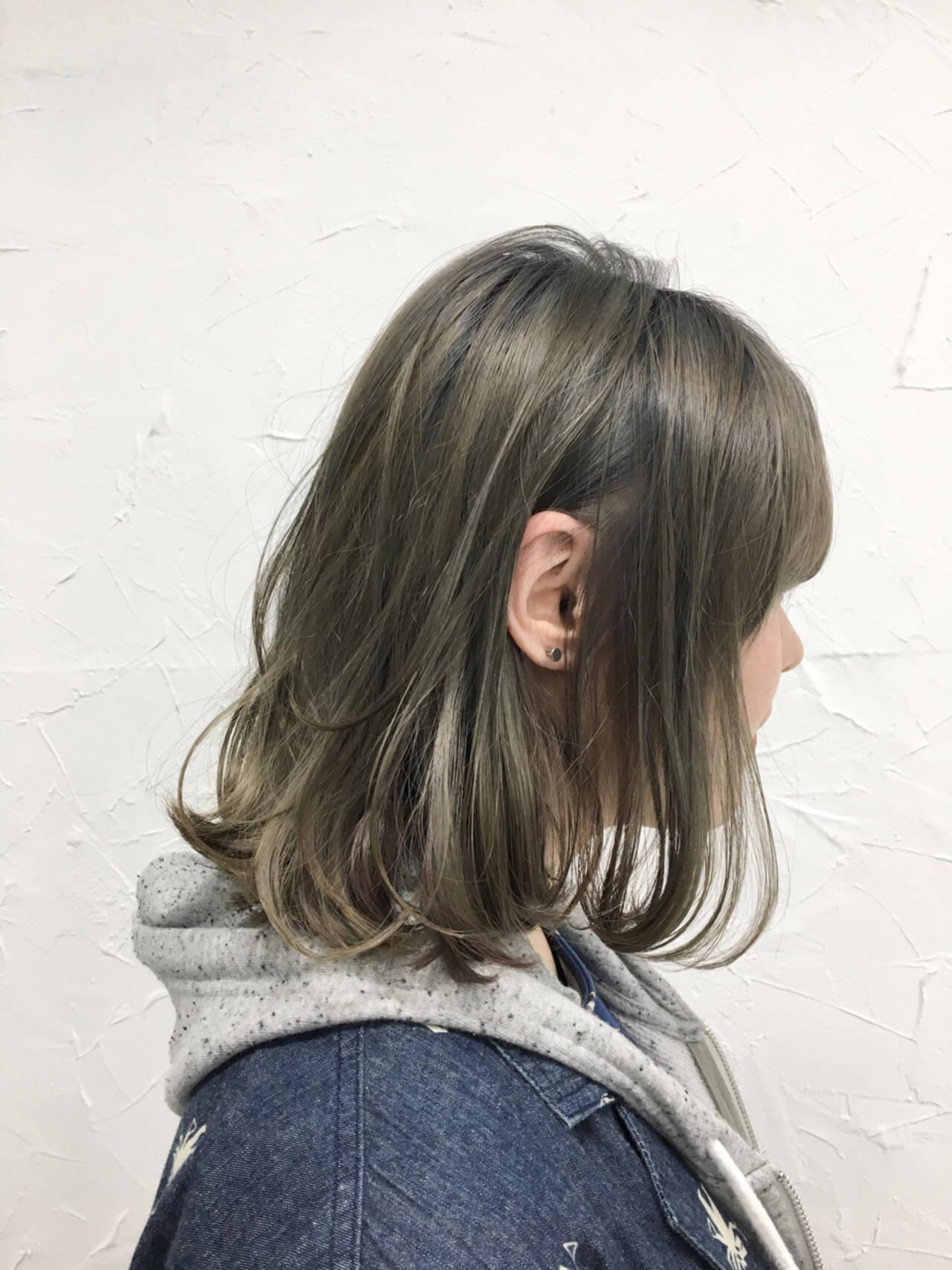 外国人風 インナーカラー 色気 ナチュラルヘアスタイルや髪型の写真・画像