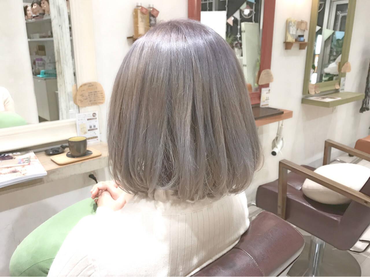 ボブ ハイトーン アッシュ ホワイトアッシュヘアスタイルや髪型の写真・画像