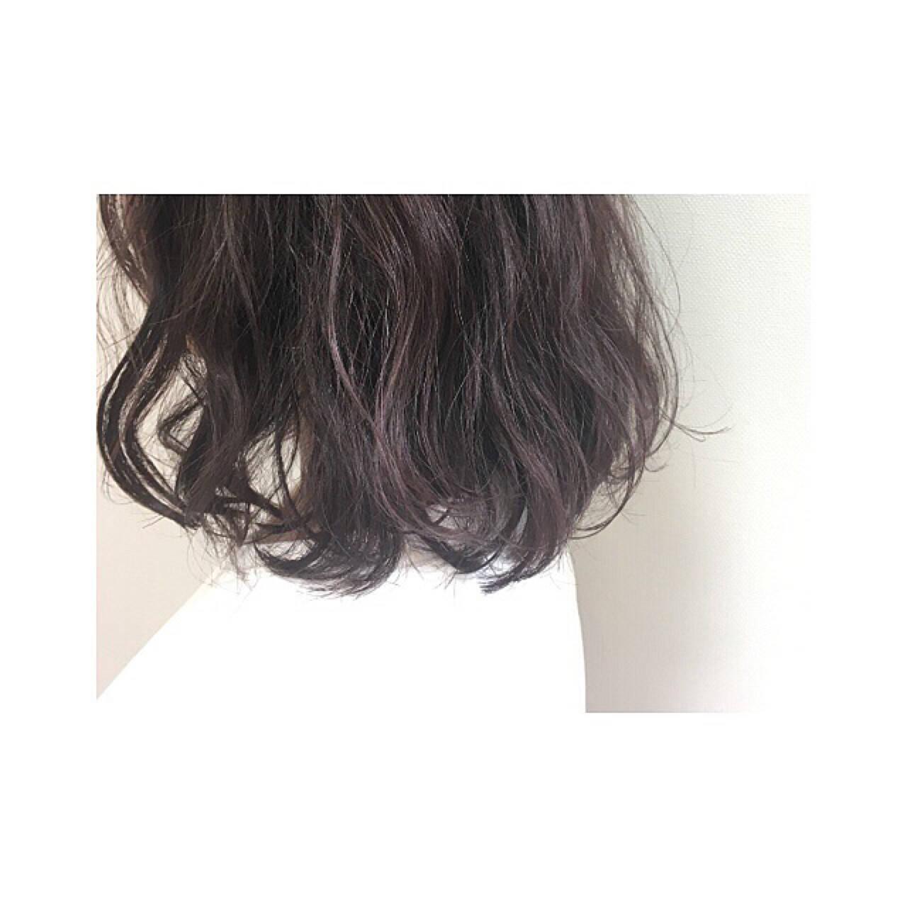 ミディアム 春 モード ラベンダーアッシュヘアスタイルや髪型の写真・画像