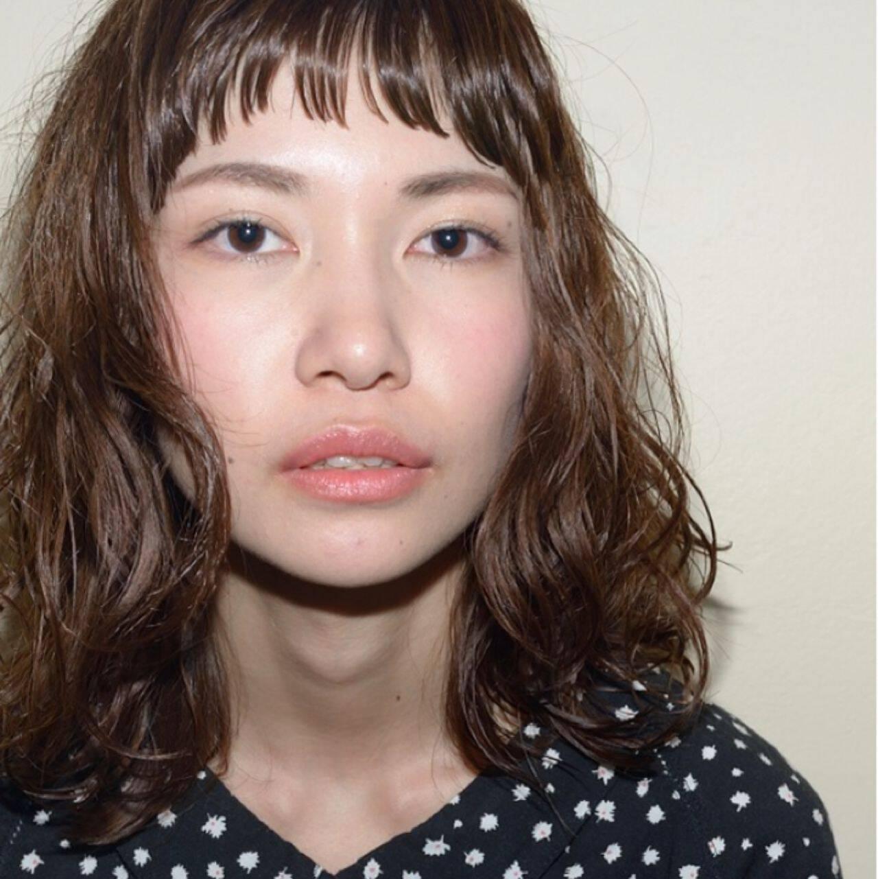 ストリート ウェーブ パーマ オン眉ヘアスタイルや髪型の写真・画像