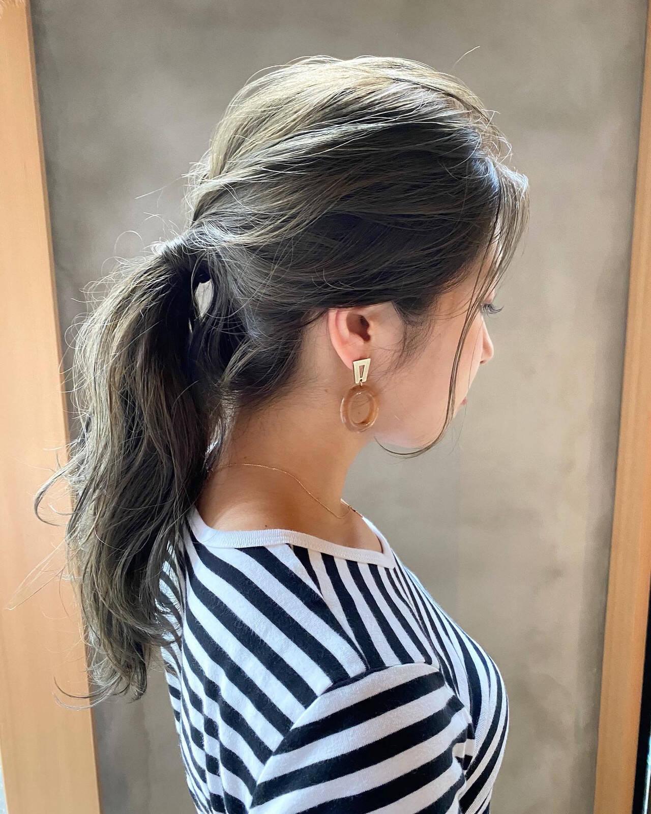 ナチュラル くすみベージュ 透明感カラー ヘアアレンジヘアスタイルや髪型の写真・画像