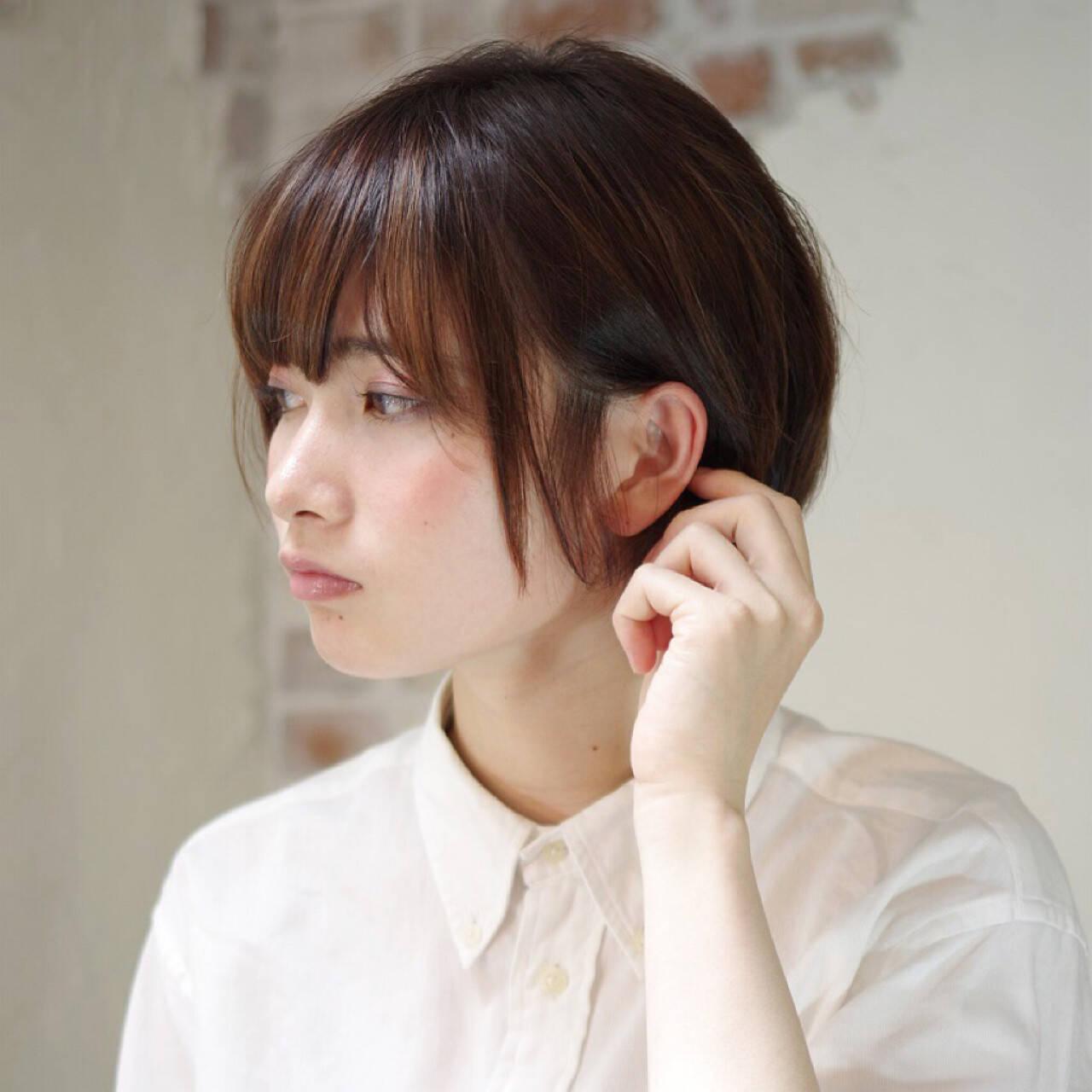 暗髪 フェミニン モード ストリートヘアスタイルや髪型の写真・画像