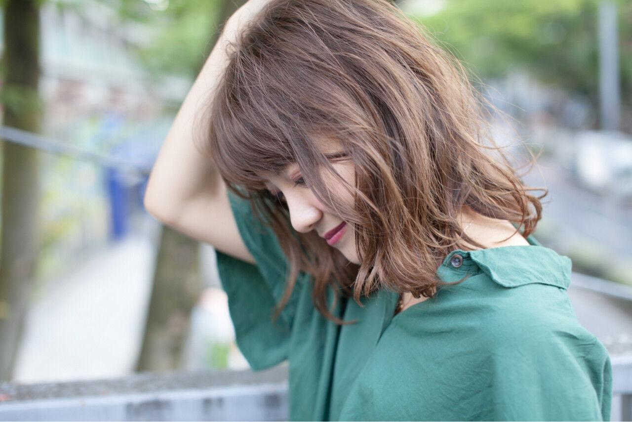 秋 ゆるふわ 透明感 アッシュベージュヘアスタイルや髪型の写真・画像