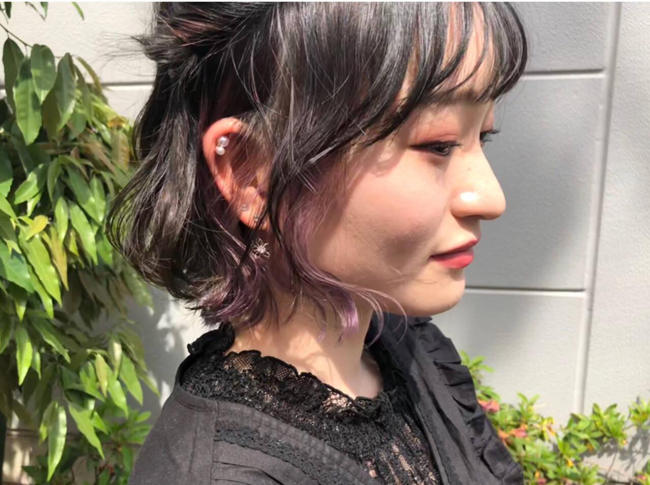 インナーカラーパープル ストリート ラベンダーグレージュ ボブヘアスタイルや髪型の写真・画像