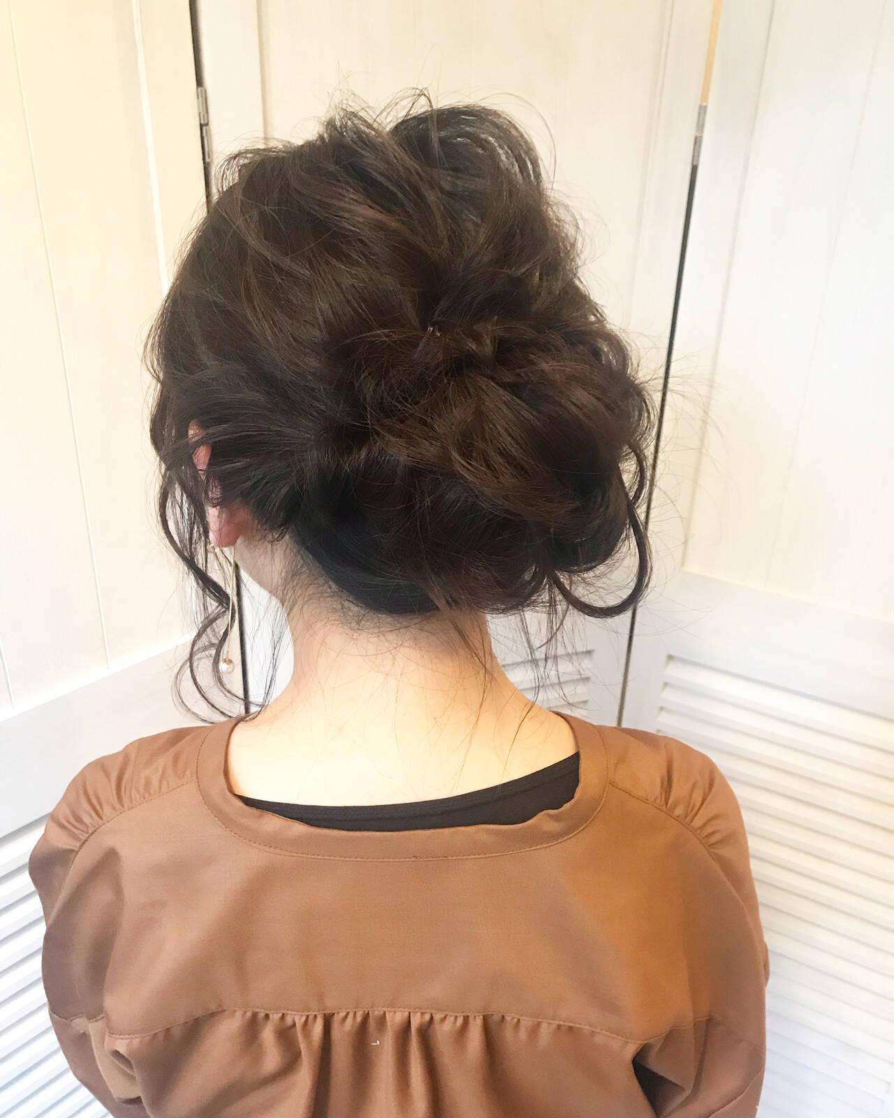 ヘアアレンジ お団子 ミディアム ルーズヘアスタイルや髪型の写真・画像