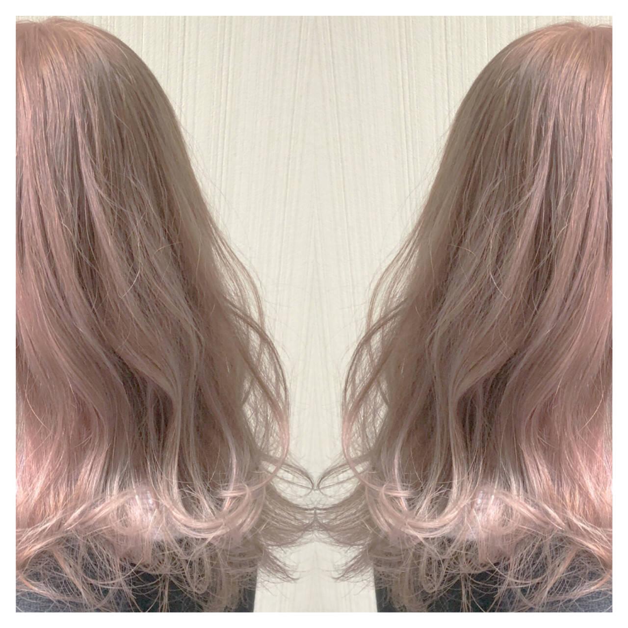 アンニュイほつれヘア ピンクベージュ セミロング 透明感カラーヘアスタイルや髪型の写真・画像