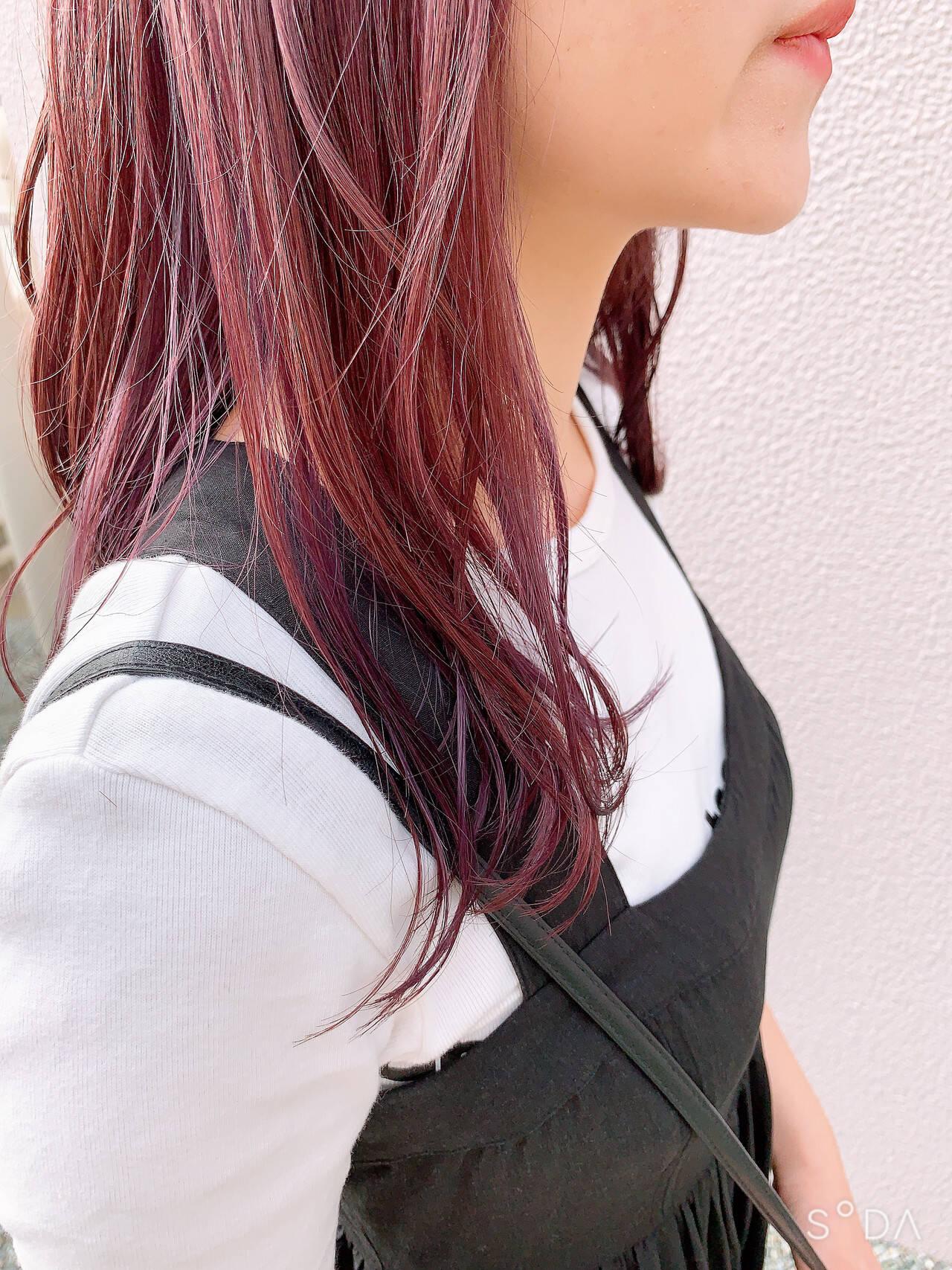 インナーカラー ガーリー ピンクパープル インナーカラーパープルヘアスタイルや髪型の写真・画像