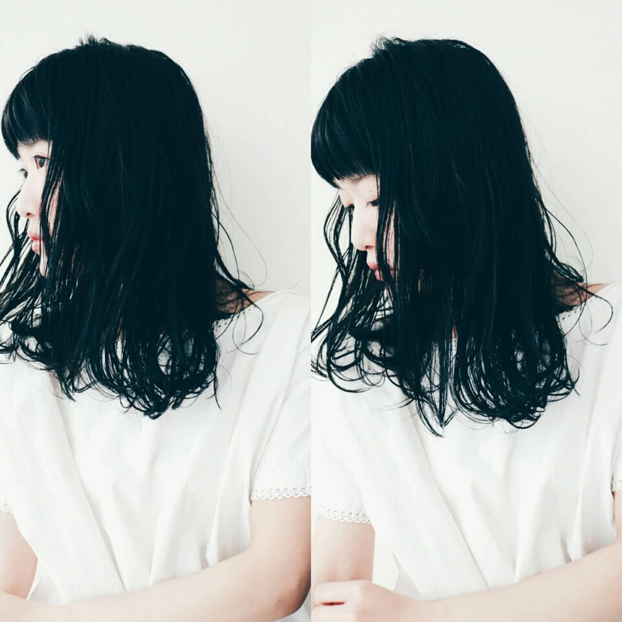 リラックス こなれ感 ナチュラル セミロングヘアスタイルや髪型の写真・画像