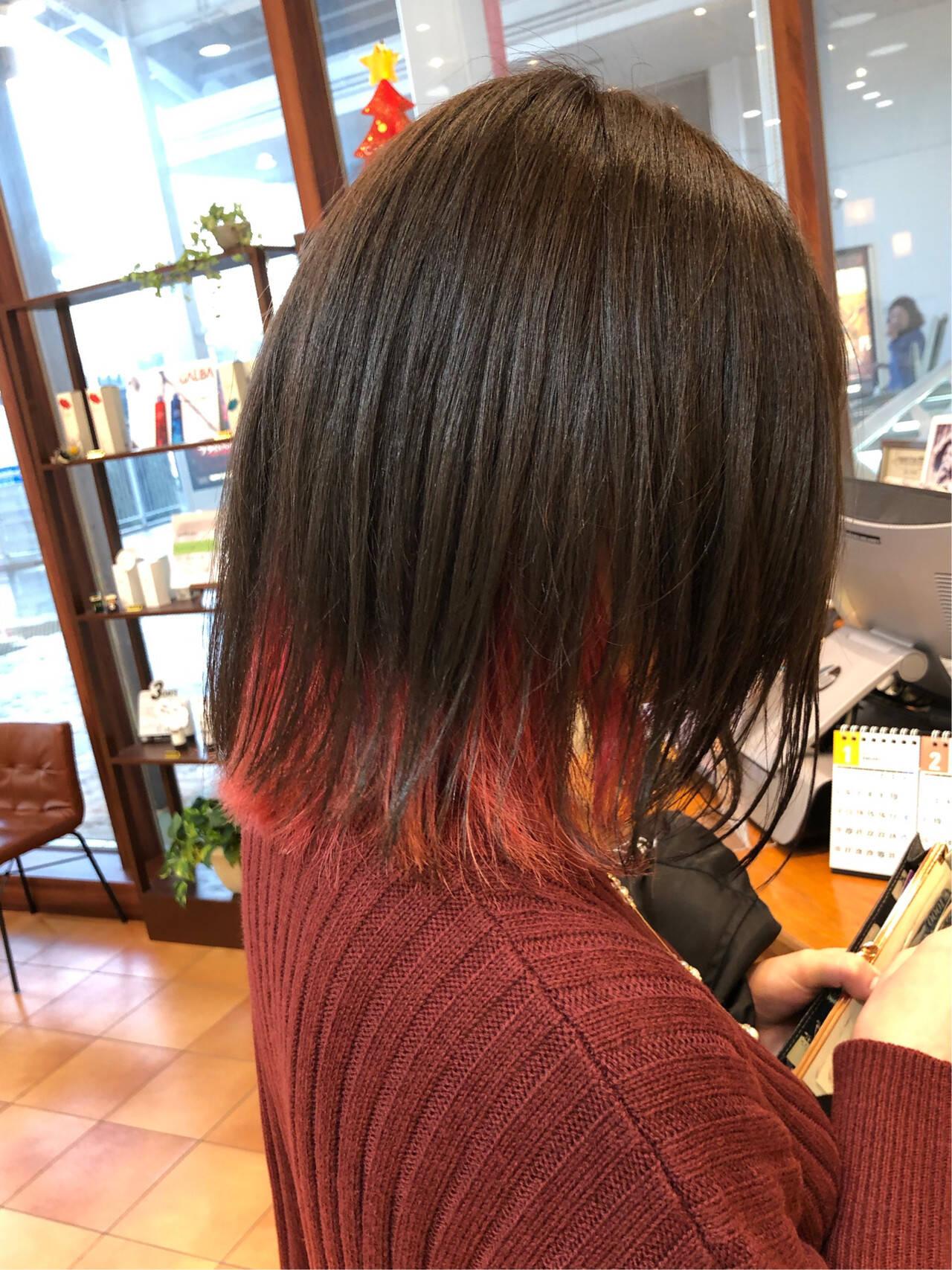 ナチュラル インナーカラー 切りっぱなしボブ ピンクヘアスタイルや髪型の写真・画像