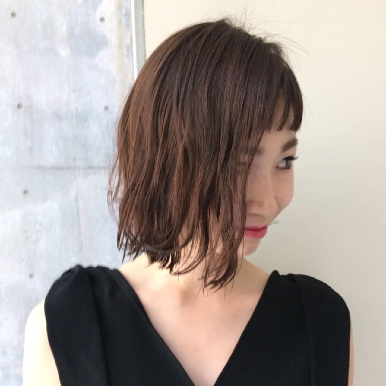 ニュアンス モード ダブルバング レイヤーカットヘアスタイルや髪型の写真・画像