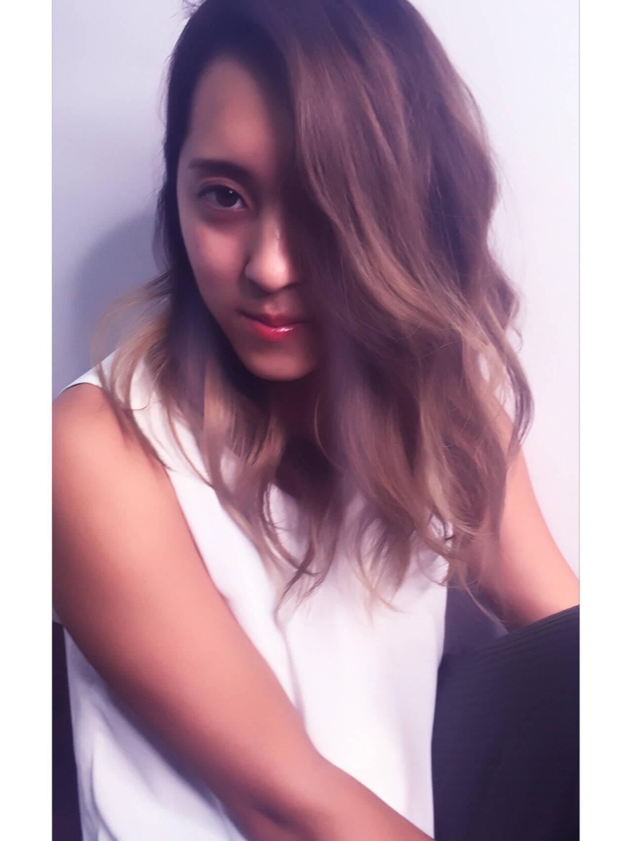 ハイライト グラデーションカラー 波ウェーブ ストリートヘアスタイルや髪型の写真・画像