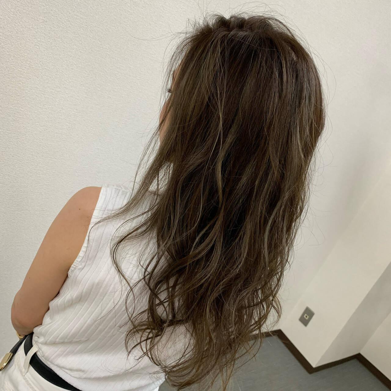 ベージュ 圧倒的透明感 ハイライト エレガントヘアスタイルや髪型の写真・画像