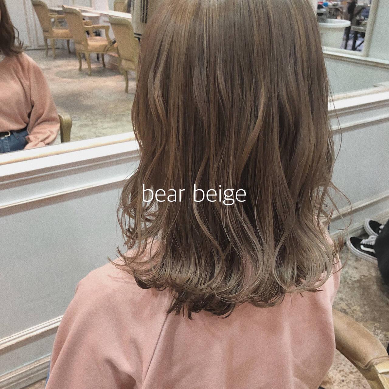 ヘアアレンジ ミルクティーベージュ イルミナカラー ナチュラルベージュヘアスタイルや髪型の写真・画像