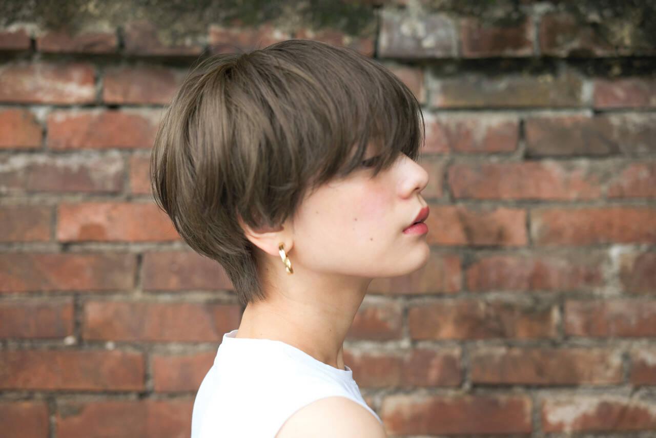 ショート アッシュ 色気 大人かわいいヘアスタイルや髪型の写真・画像