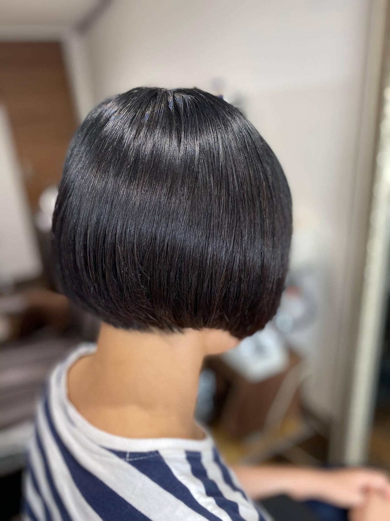 ミニボブ ショートボブ モード 切りっぱなしボブヘアスタイルや髪型の写真・画像