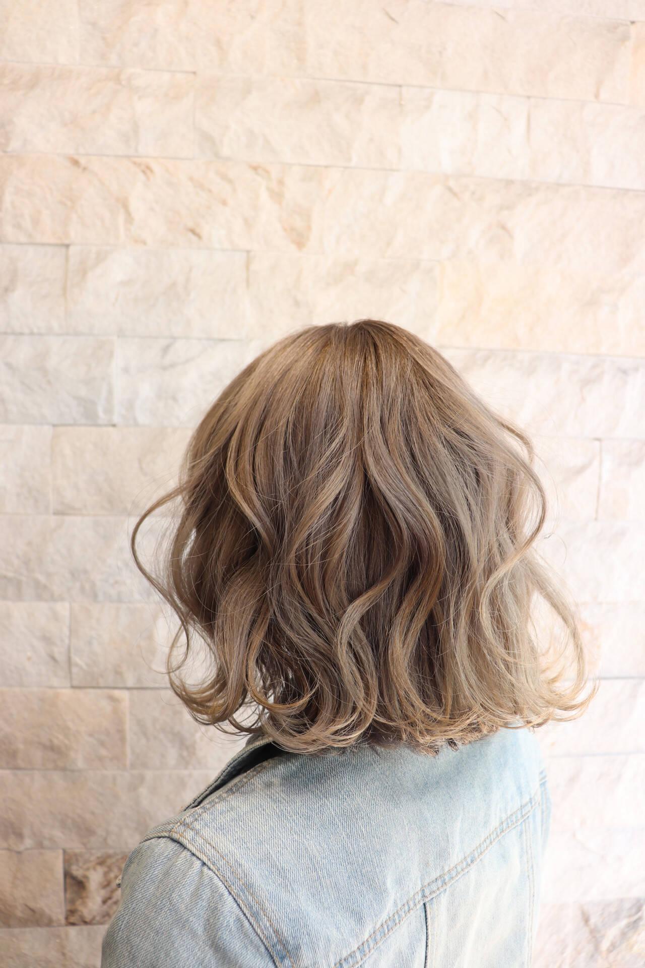 外国人風カラー ブリーチカラー ブリーチオンカラー ミディアムヘアスタイルや髪型の写真・画像