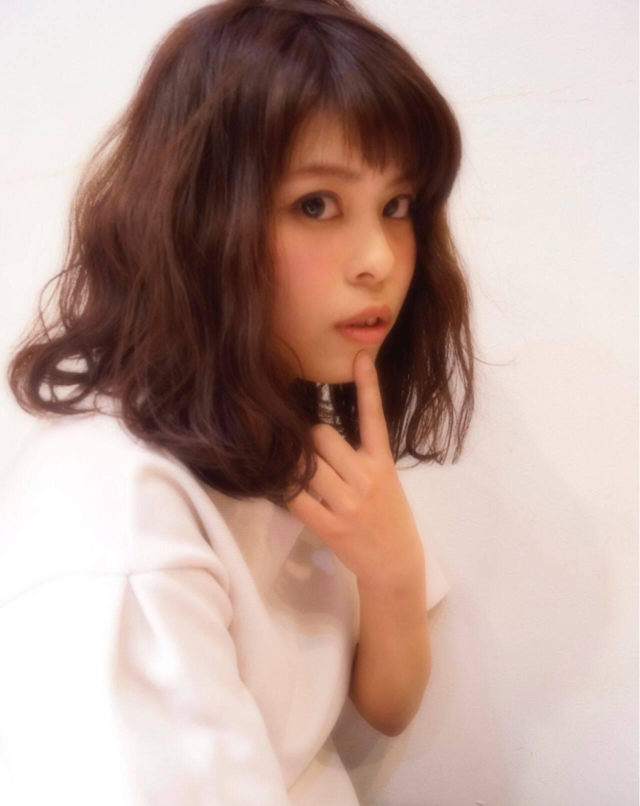 パーマ ミディアム モテ髪 フェミニンヘアスタイルや髪型の写真・画像