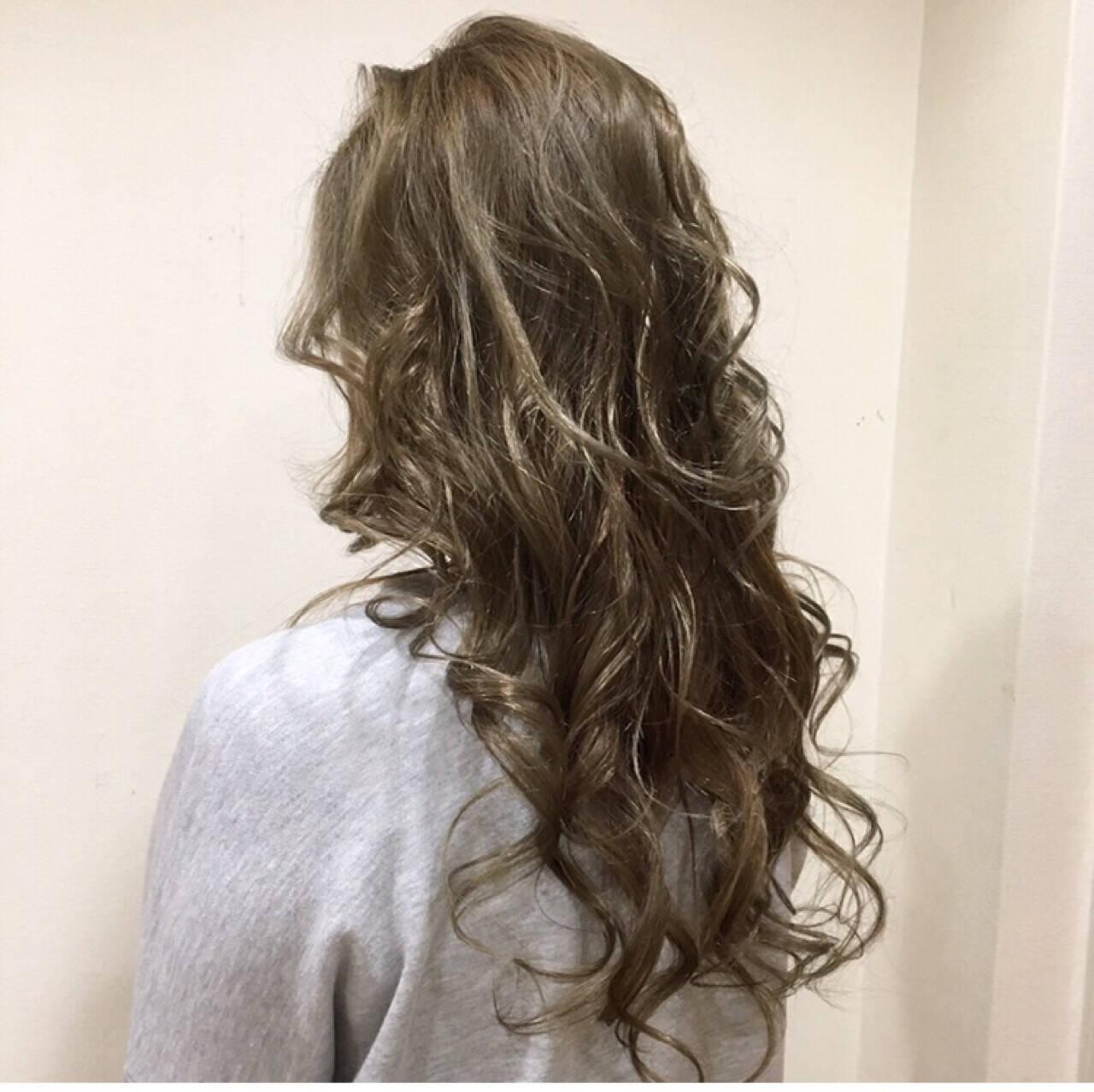 ナチュラル ハイライト 外国人風カラー ロングヘアスタイルや髪型の写真・画像