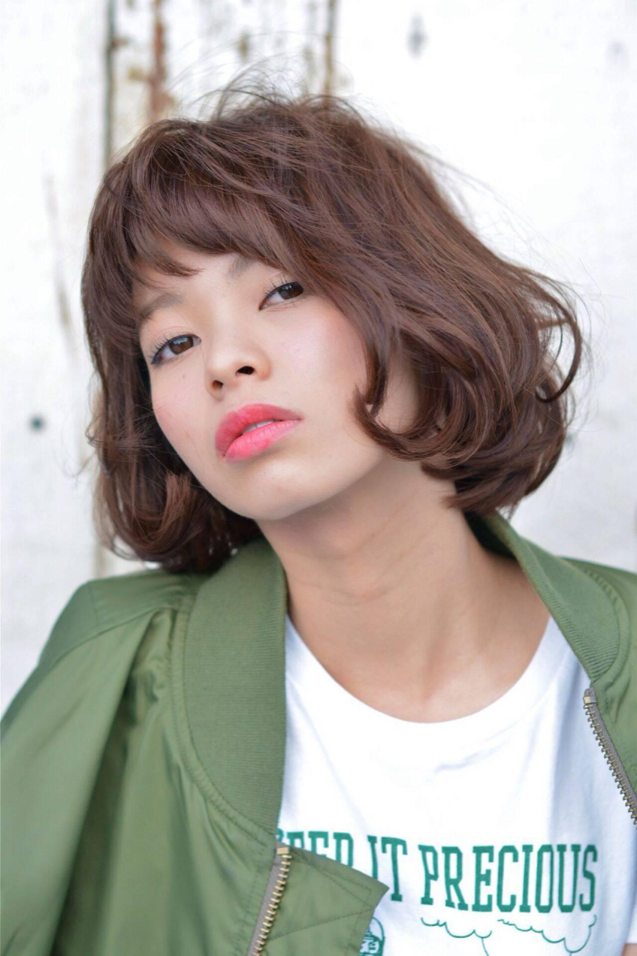 ウェーブ モード ストレート ボブヘアスタイルや髪型の写真・画像