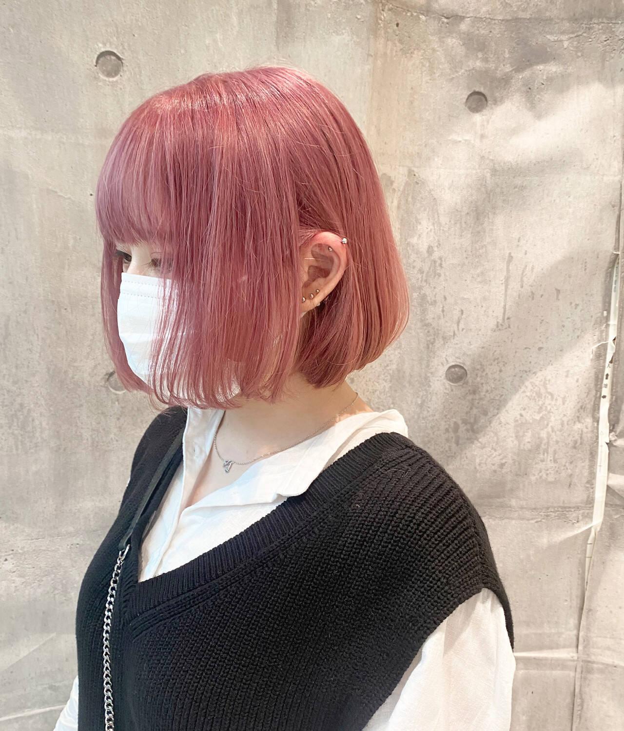 ピンクバイオレット ボブ ピンクベージュ ストリートヘアスタイルや髪型の写真・画像