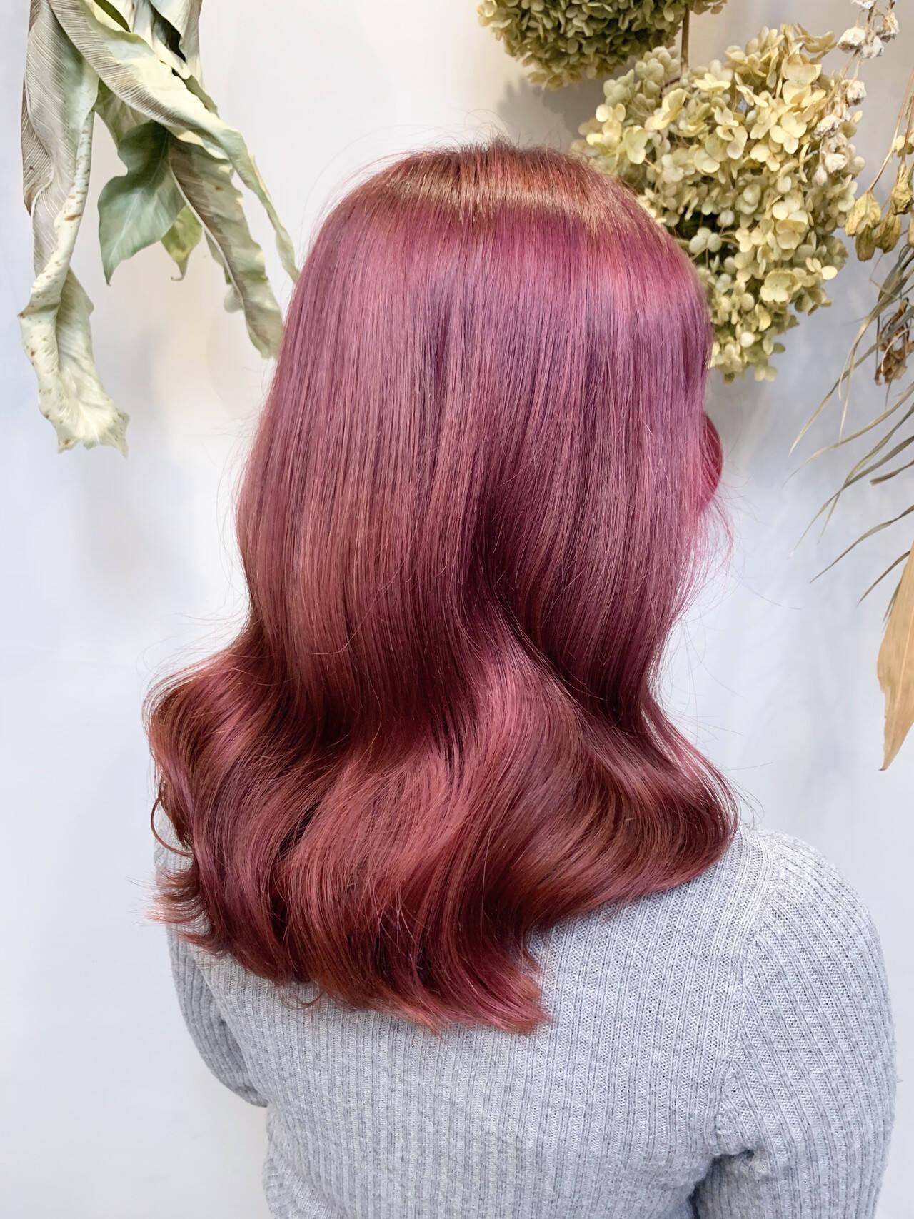 ベリーピンク ピンクアッシュ ピンクパープル ピンクヘアスタイルや髪型の写真・画像