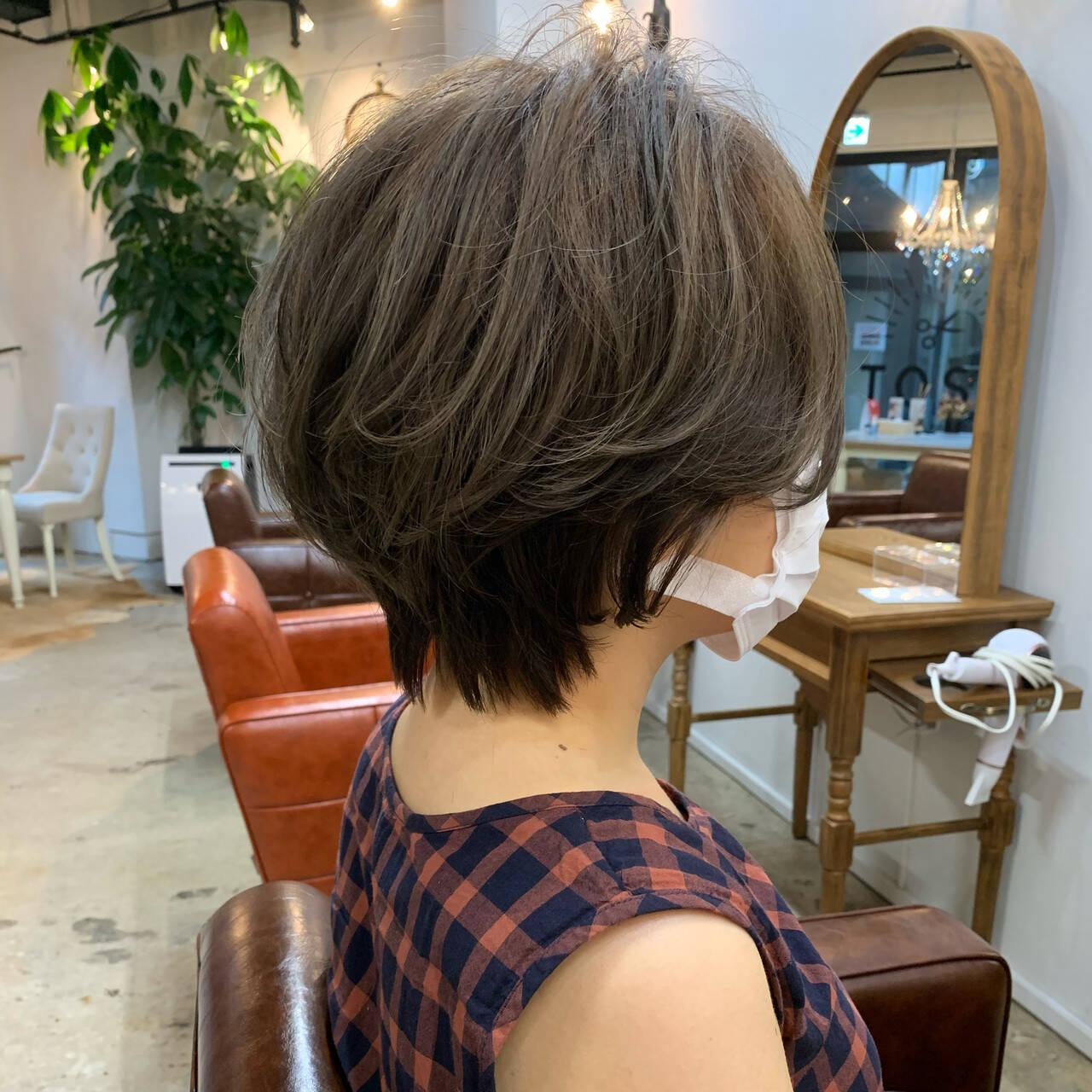 アウトドア アンニュイほつれヘア ショート ショートヘアヘアスタイルや髪型の写真・画像