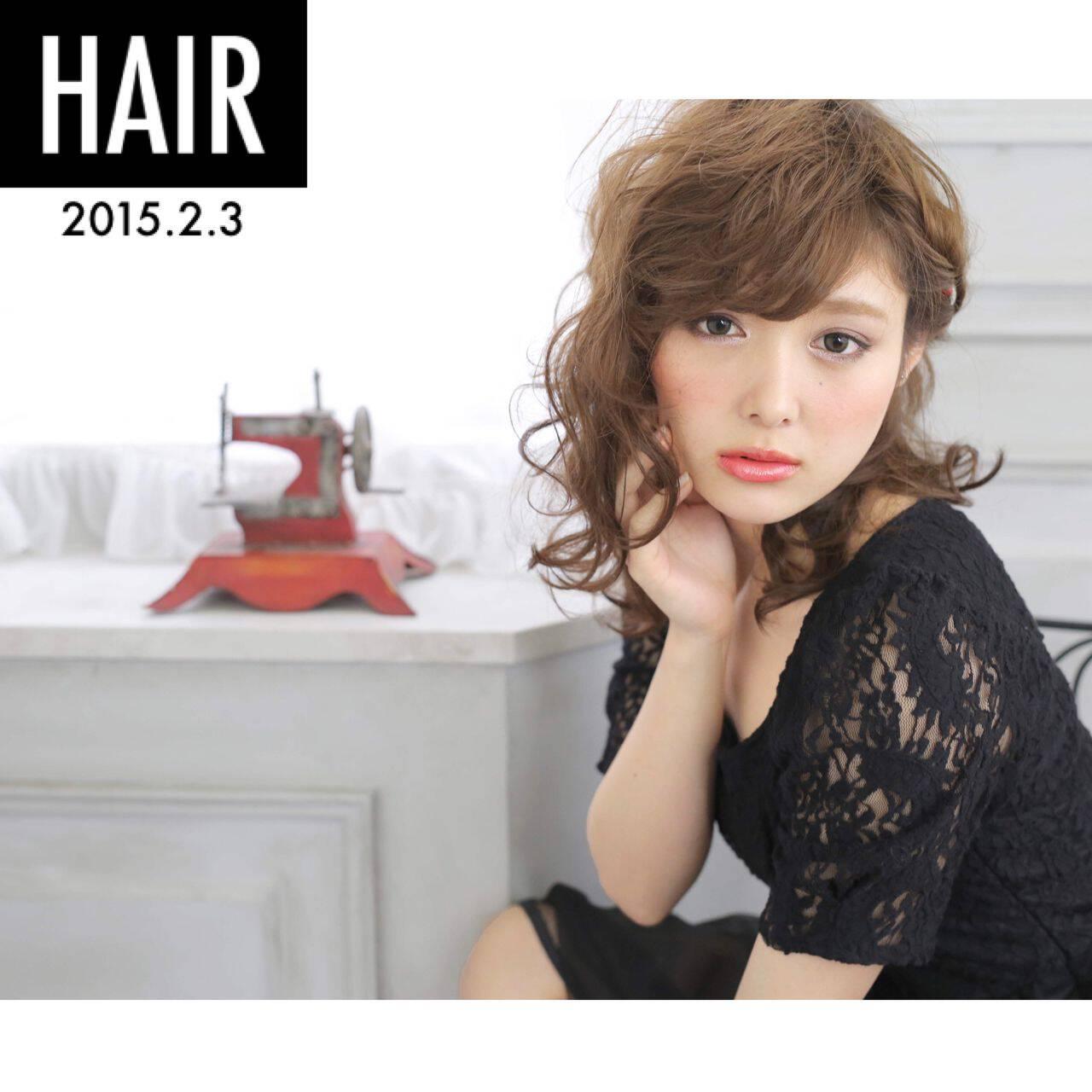 大人かわいい ヘアアレンジ ウェットヘア ナチュラルヘアスタイルや髪型の写真・画像