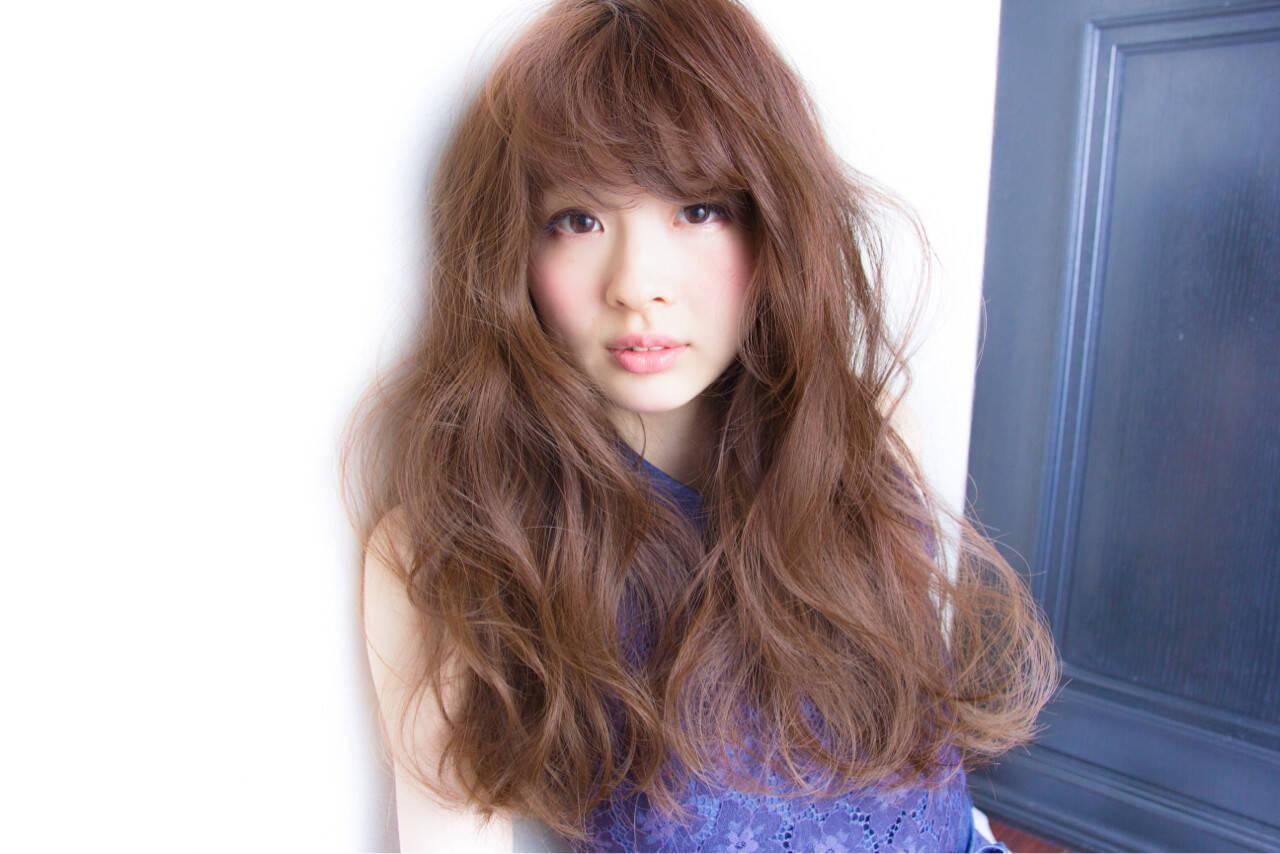 ゆるふわ ロング ガーリー グレージュヘアスタイルや髪型の写真・画像