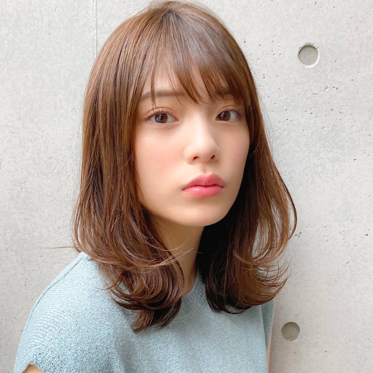 ミディアム 毛先パーマ 大人かわいい レイヤーカットヘアスタイルや髪型の写真・画像