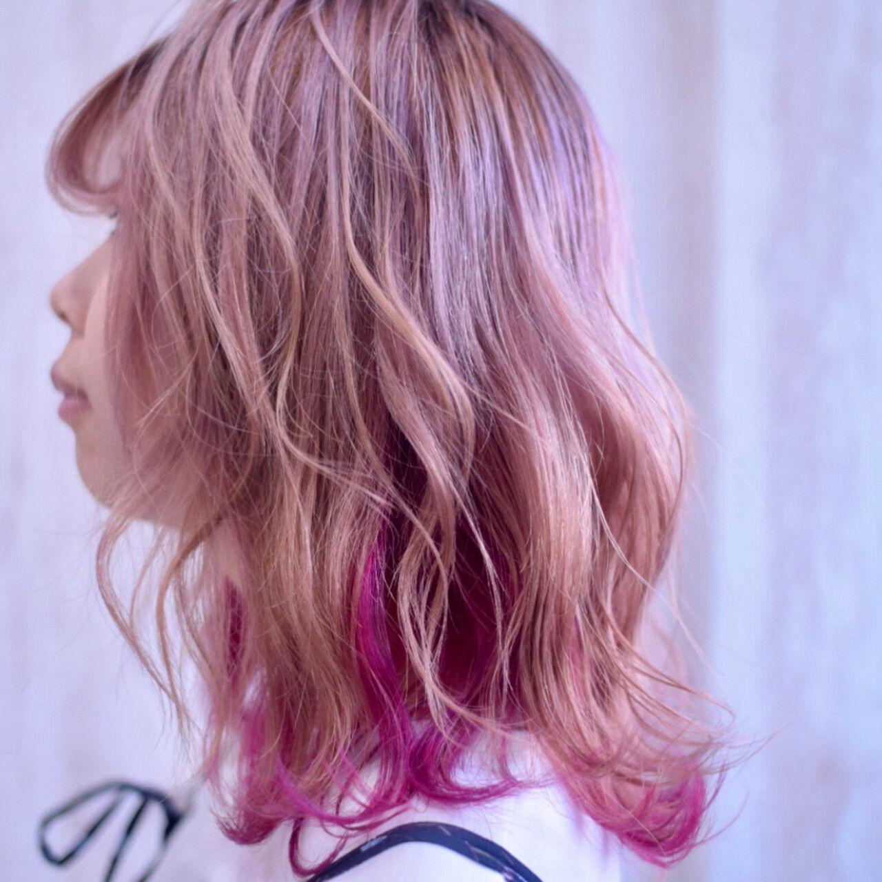 ピンクパープル ピンク ラズベリーピンク インナーカラーヘアスタイルや髪型の写真・画像