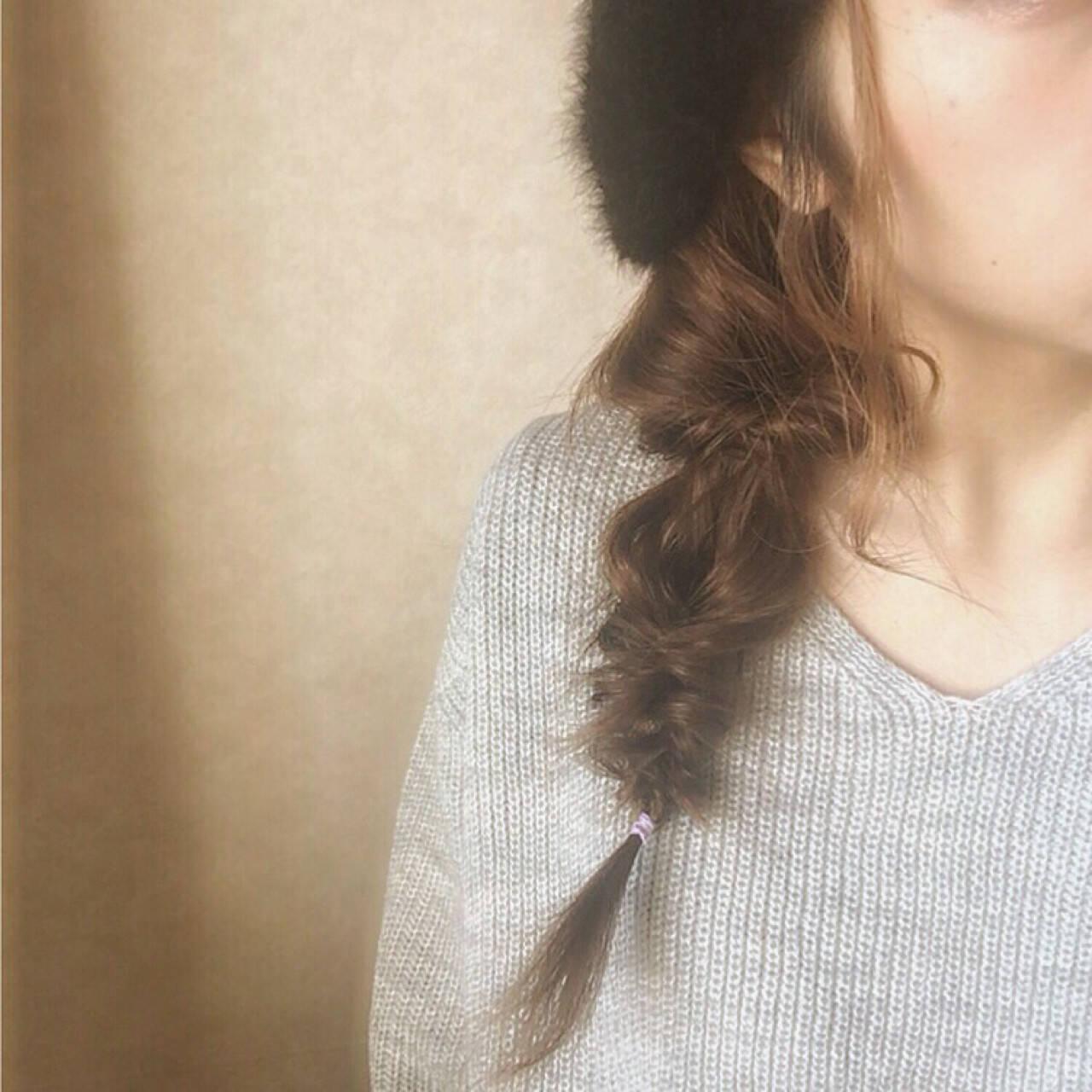 フィッシュボーン ヘアアレンジ 大人女子 くるりんぱヘアスタイルや髪型の写真・画像