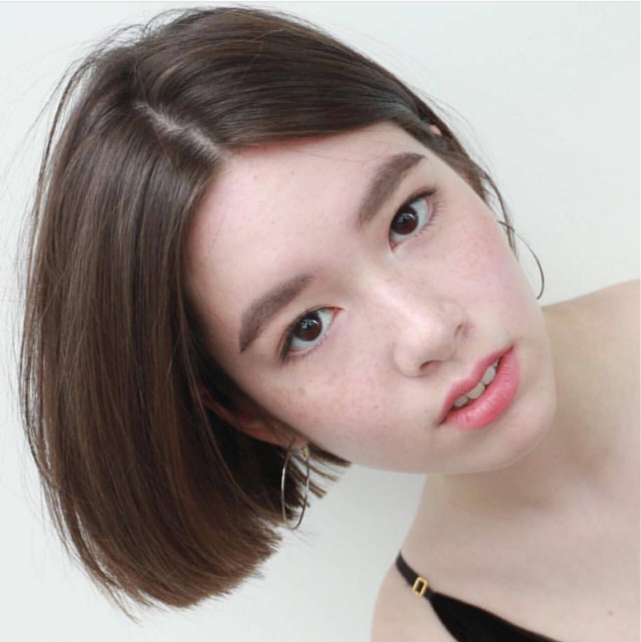 マロン ブラウン おかっぱ 外国人風ヘアスタイルや髪型の写真・画像