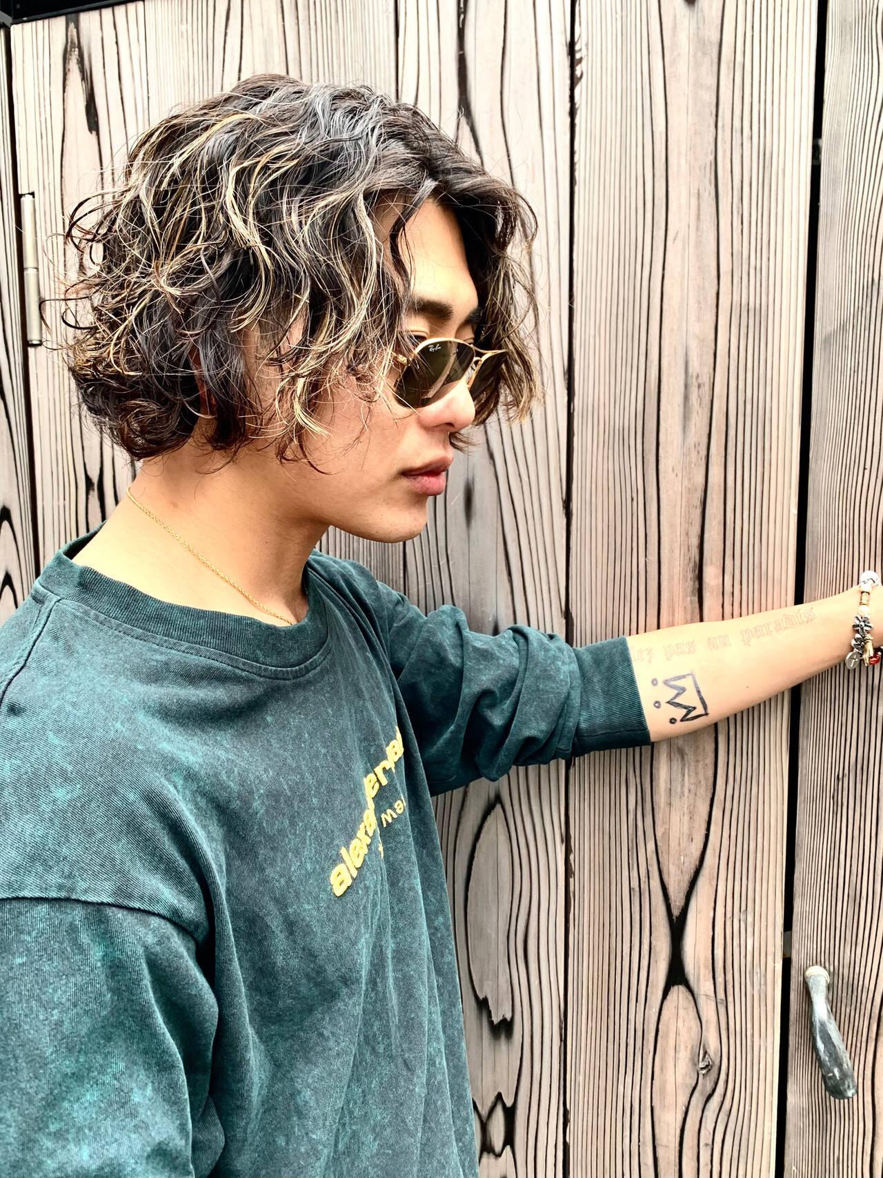 メンズカラー メンズヘア コントラストハイライト ストリートヘアスタイルや髪型の写真・画像