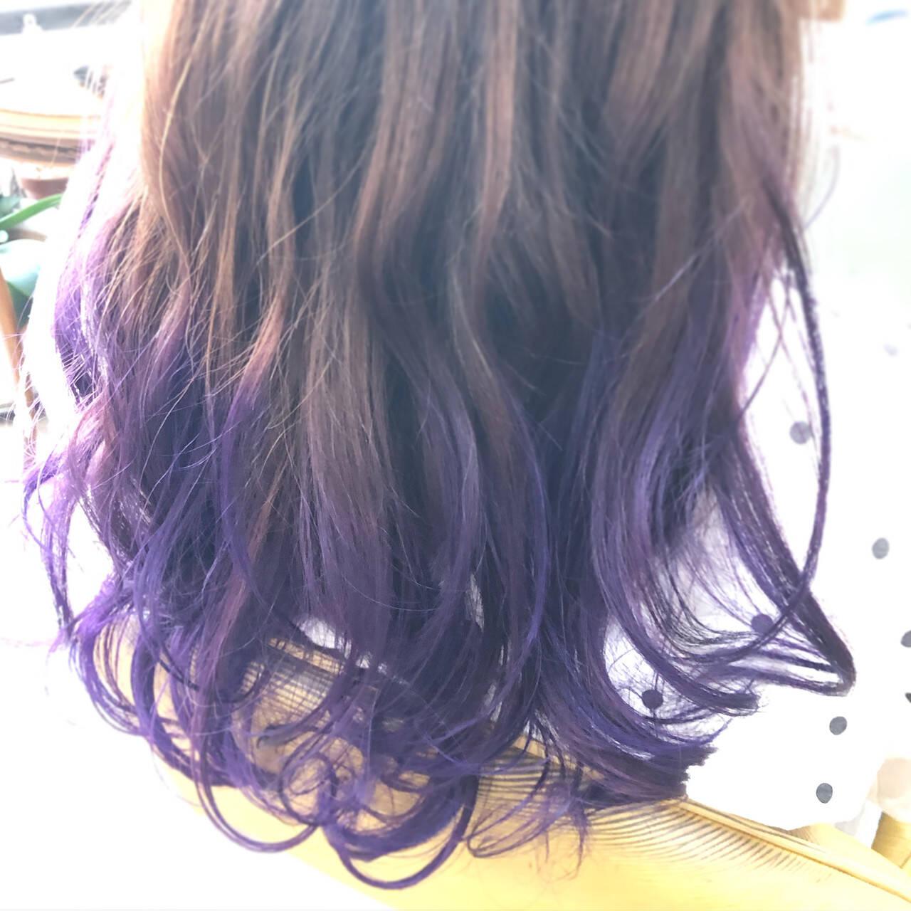 ブリーチカラー ロング ヴァイオレット グラデーションカラーヘアスタイルや髪型の写真・画像