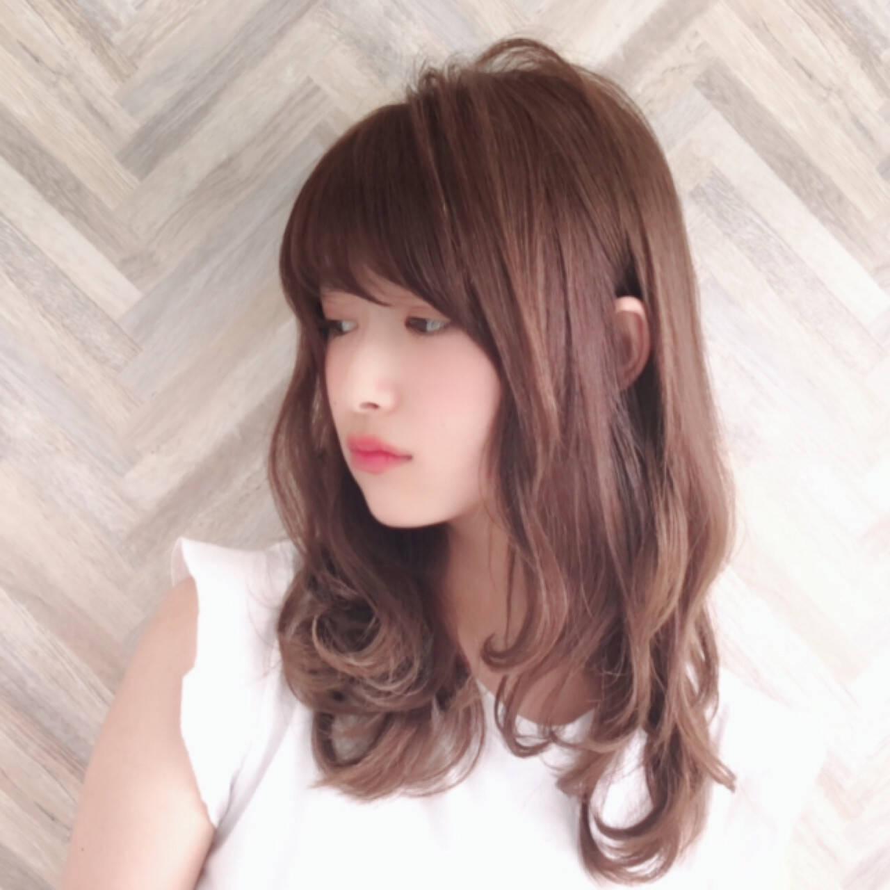 大人かわいい フェミニン ロング パーマヘアスタイルや髪型の写真・画像