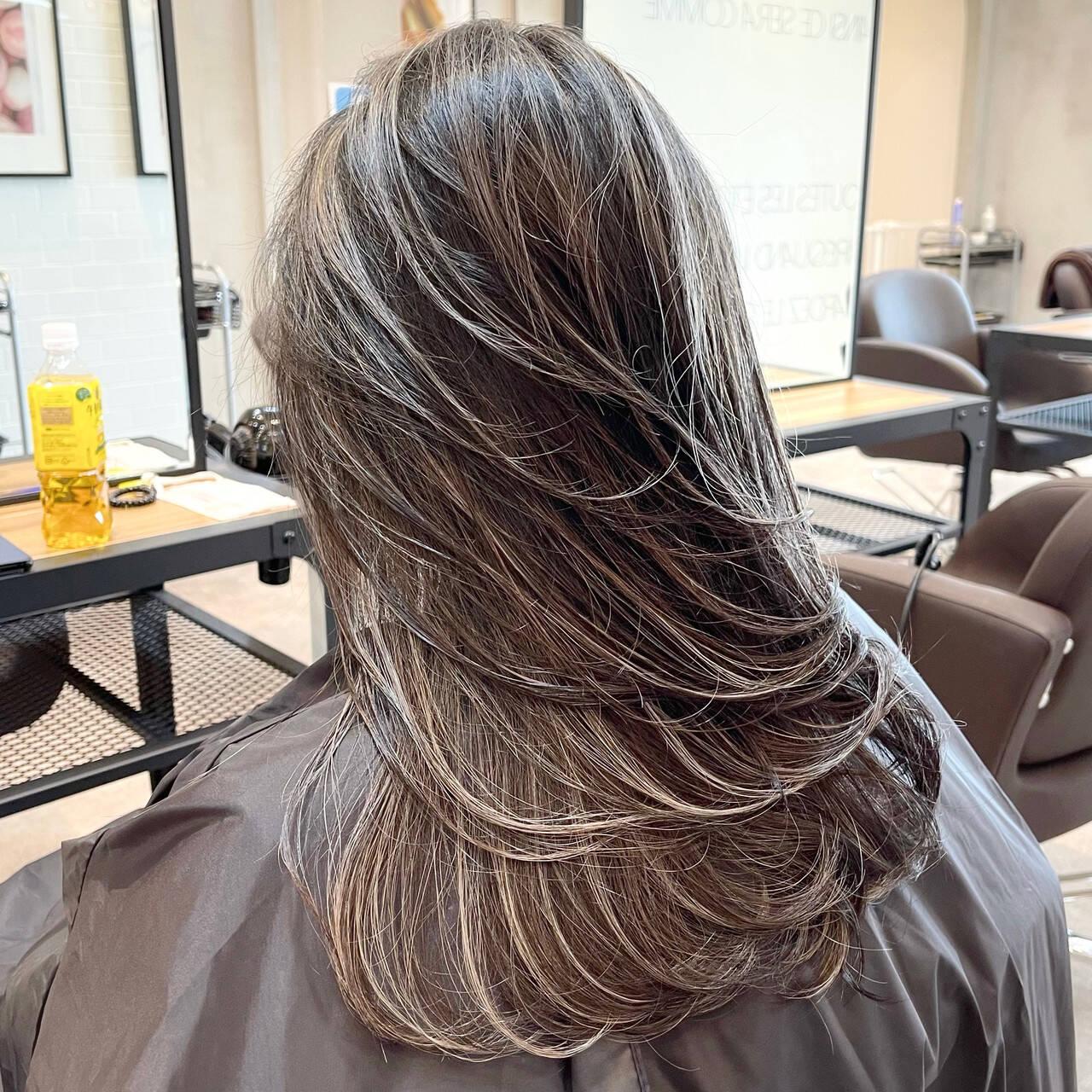 外国人風カラー 3Dハイライト コントラストハイライト グレージュヘアスタイルや髪型の写真・画像