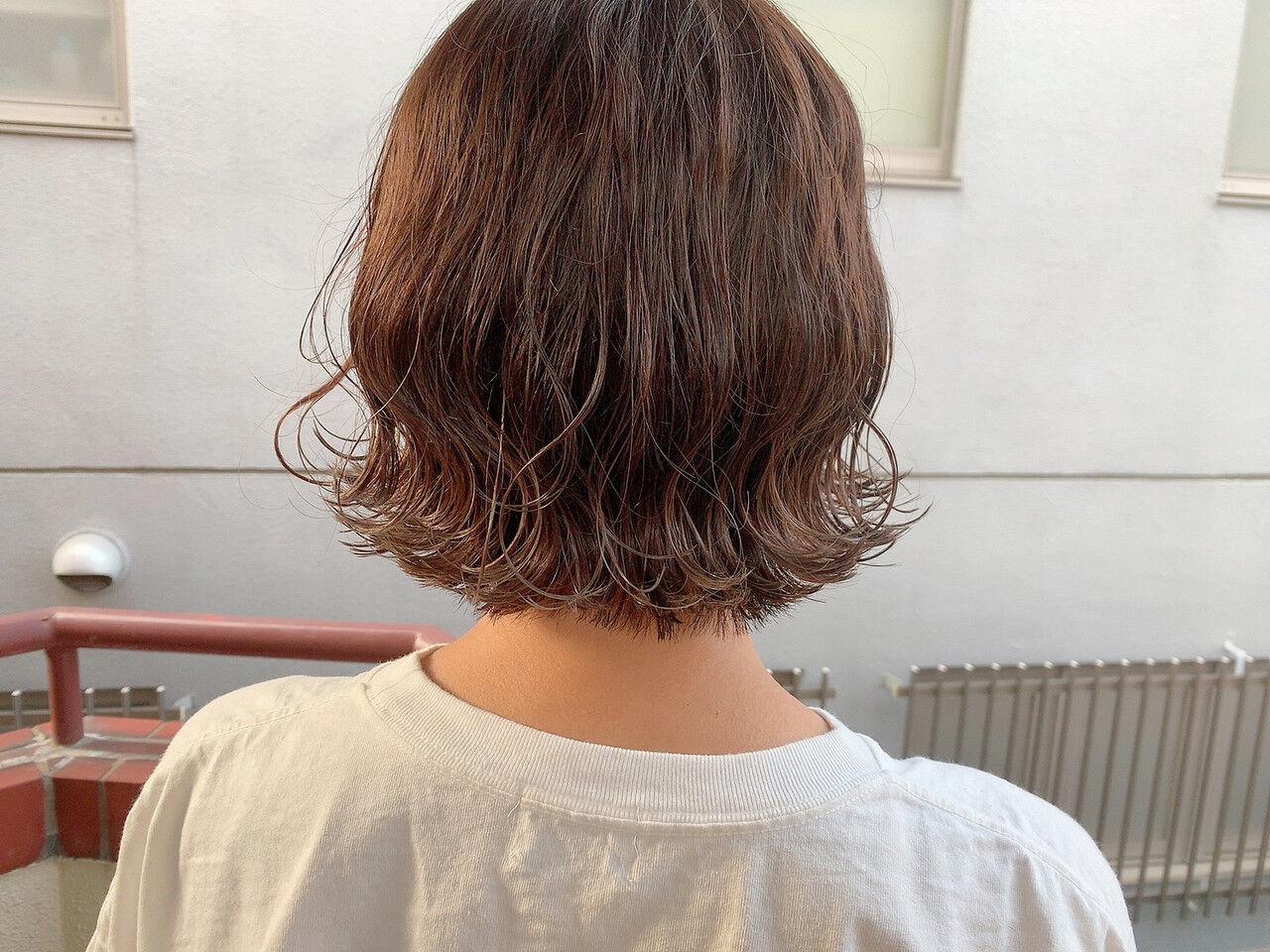 ナチュラル ミニボブ 切りっぱなしボブ アッシュベージュヘアスタイルや髪型の写真・画像