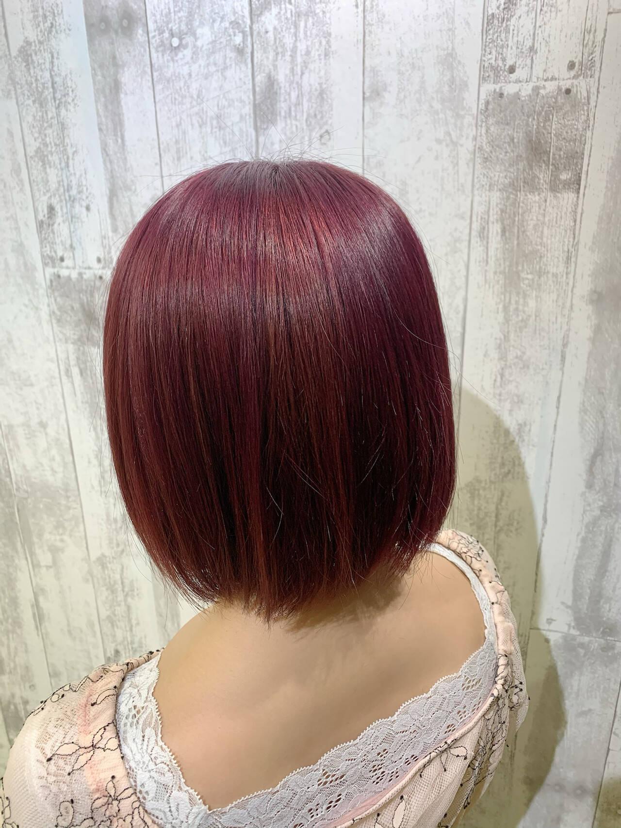 ショートボブ フェミニン 大人ショート ベリーピンクヘアスタイルや髪型の写真・画像