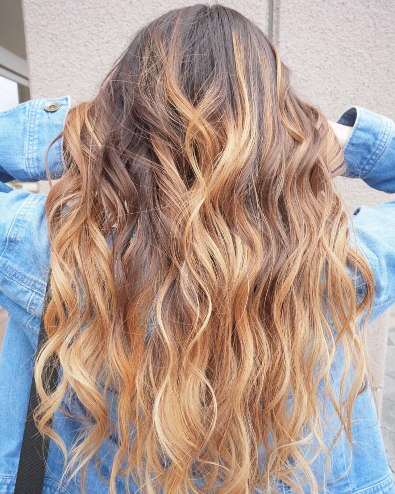 ハイトーン バレイヤージュ 学生 グラデーションカラーヘアスタイルや髪型の写真・画像