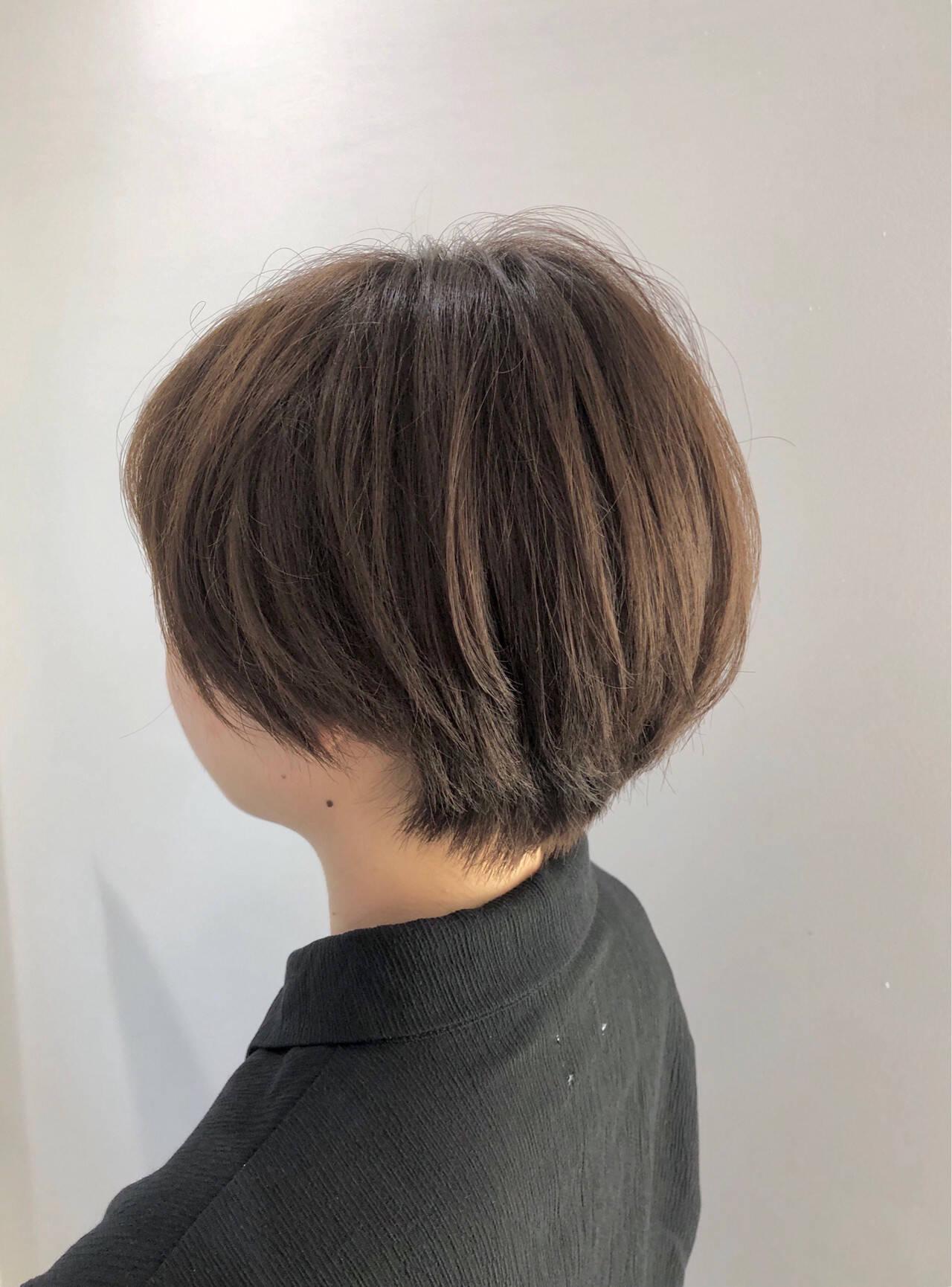 ナチュラル ショートボブ ショートヘア 艶カラーヘアスタイルや髪型の写真・画像