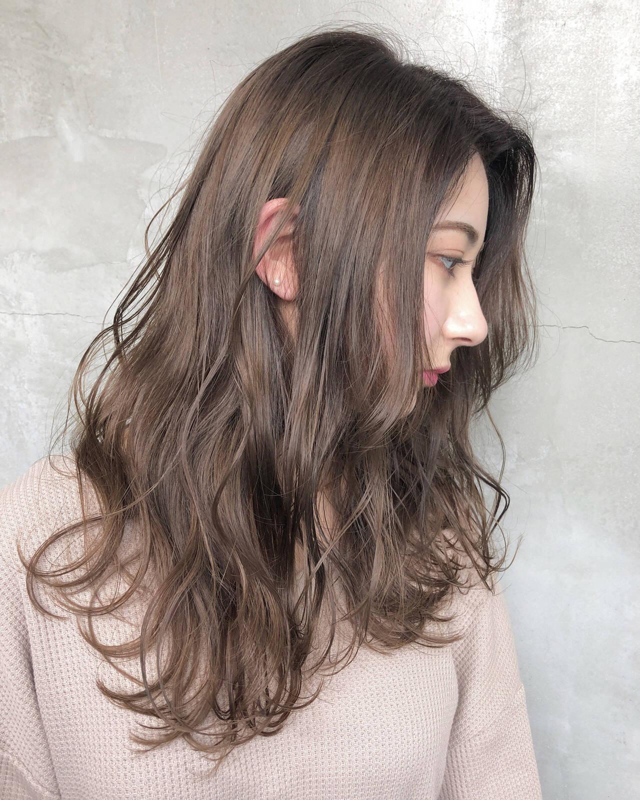 グレージュ ナチュラル セミロング 簡単ヘアアレンジヘアスタイルや髪型の写真・画像