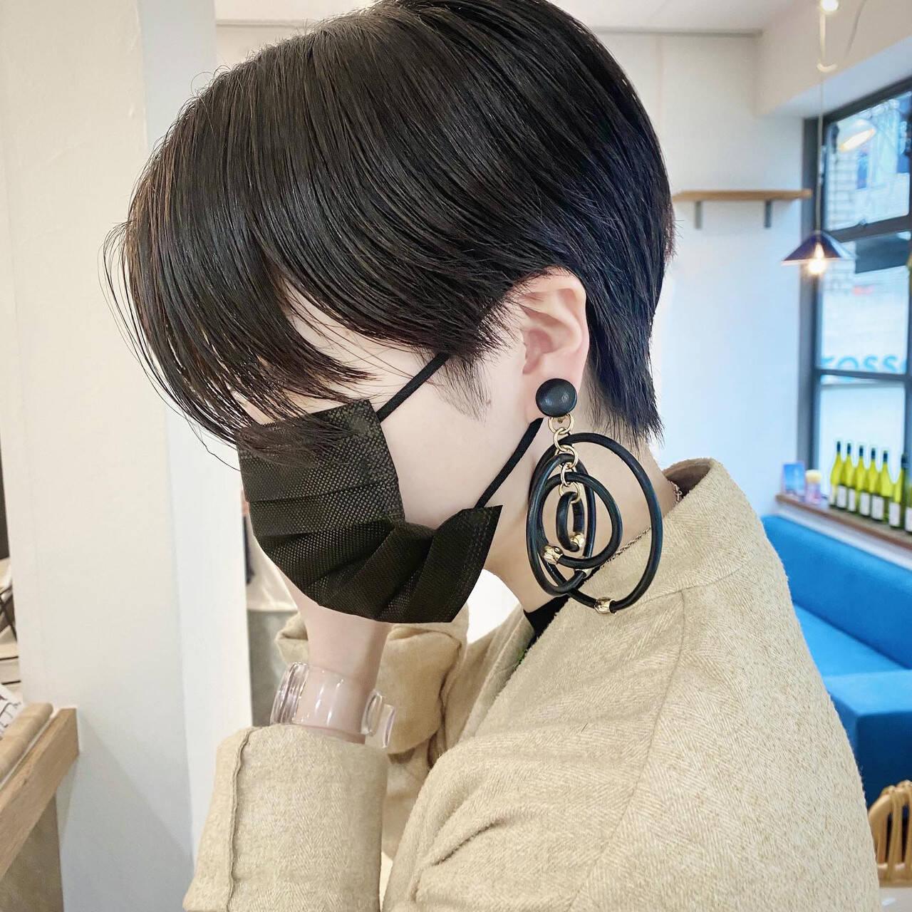 ショート 黒髪ショート ハンサムショート モードヘアスタイルや髪型の写真・画像