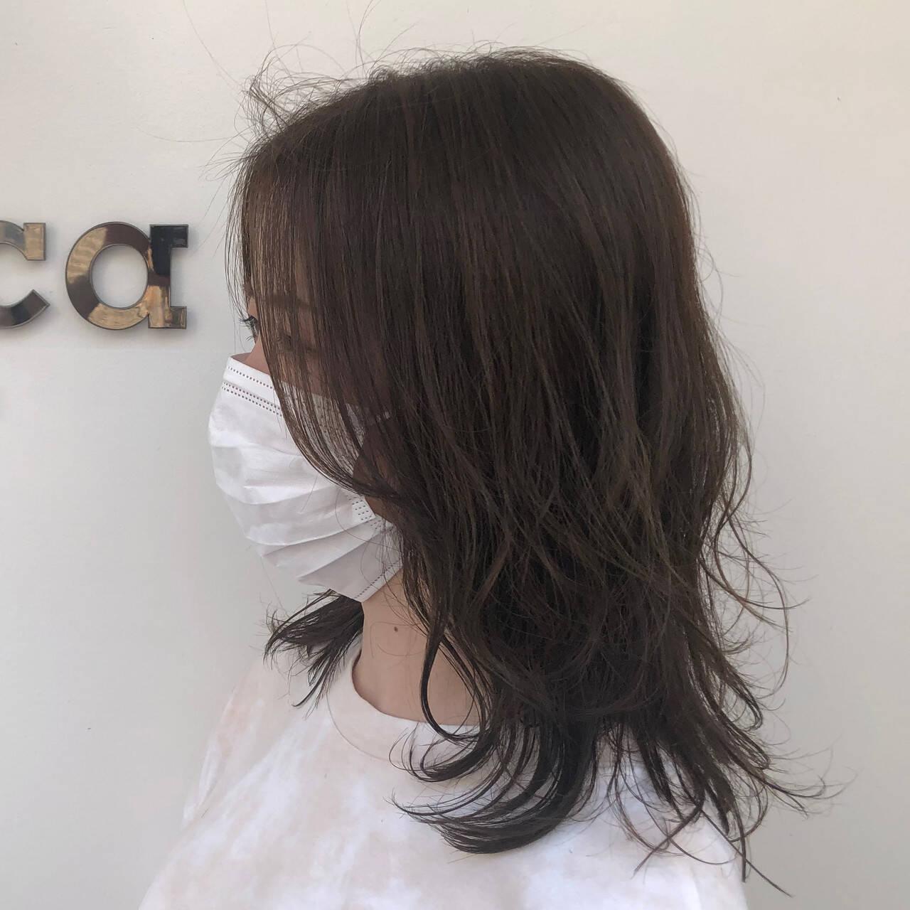 ナチュラル レイヤースタイル パーマ 無造作パーマヘアスタイルや髪型の写真・画像