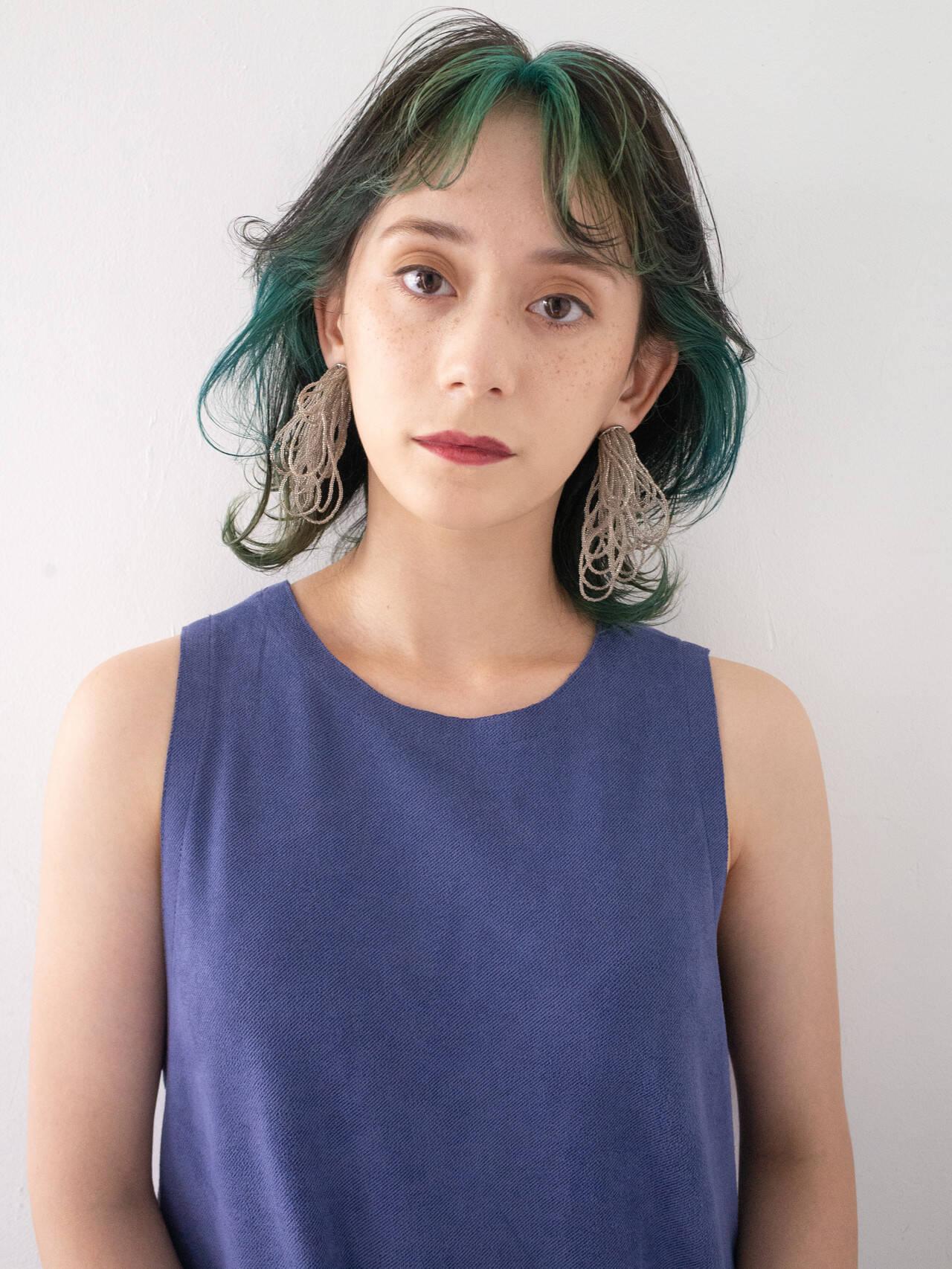 ダブルカラー インナーカラー ボブ モードヘアスタイルや髪型の写真・画像