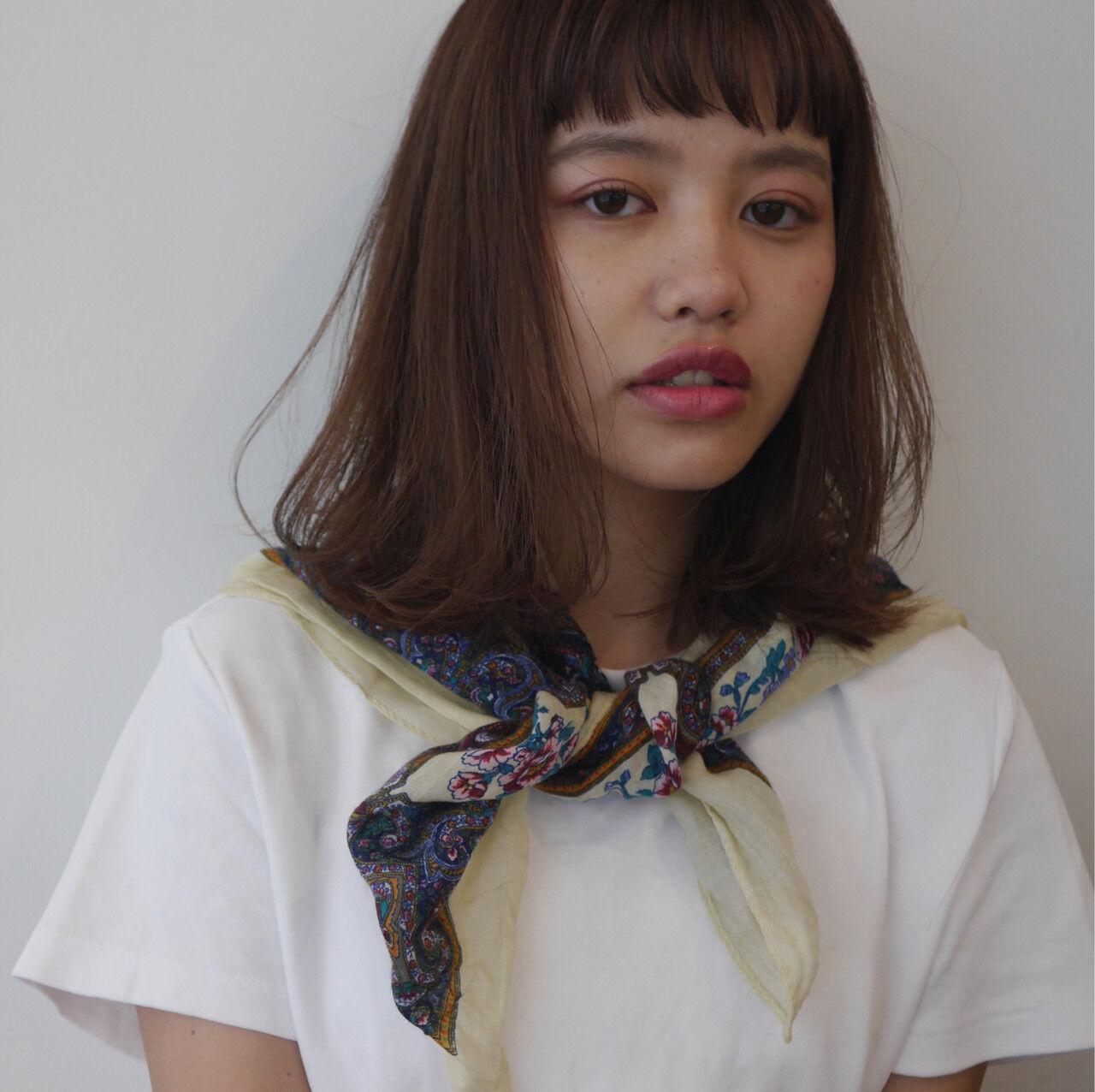 鎖骨ミディアム 外国人風 ミディアムレイヤー ナチュラルヘアスタイルや髪型の写真・画像