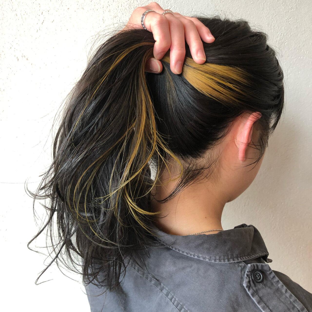 #インナーカラー セミロング ハニーイエロー ストリートヘアスタイルや髪型の写真・画像