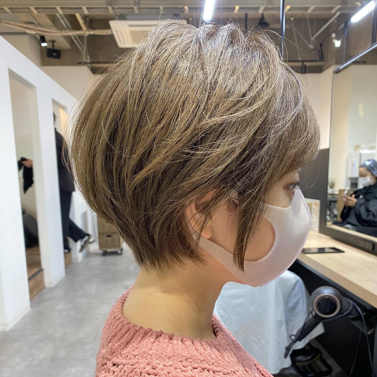 ハイトーン ハイトーンカラー ショート デザインカラーヘアスタイルや髪型の写真・画像